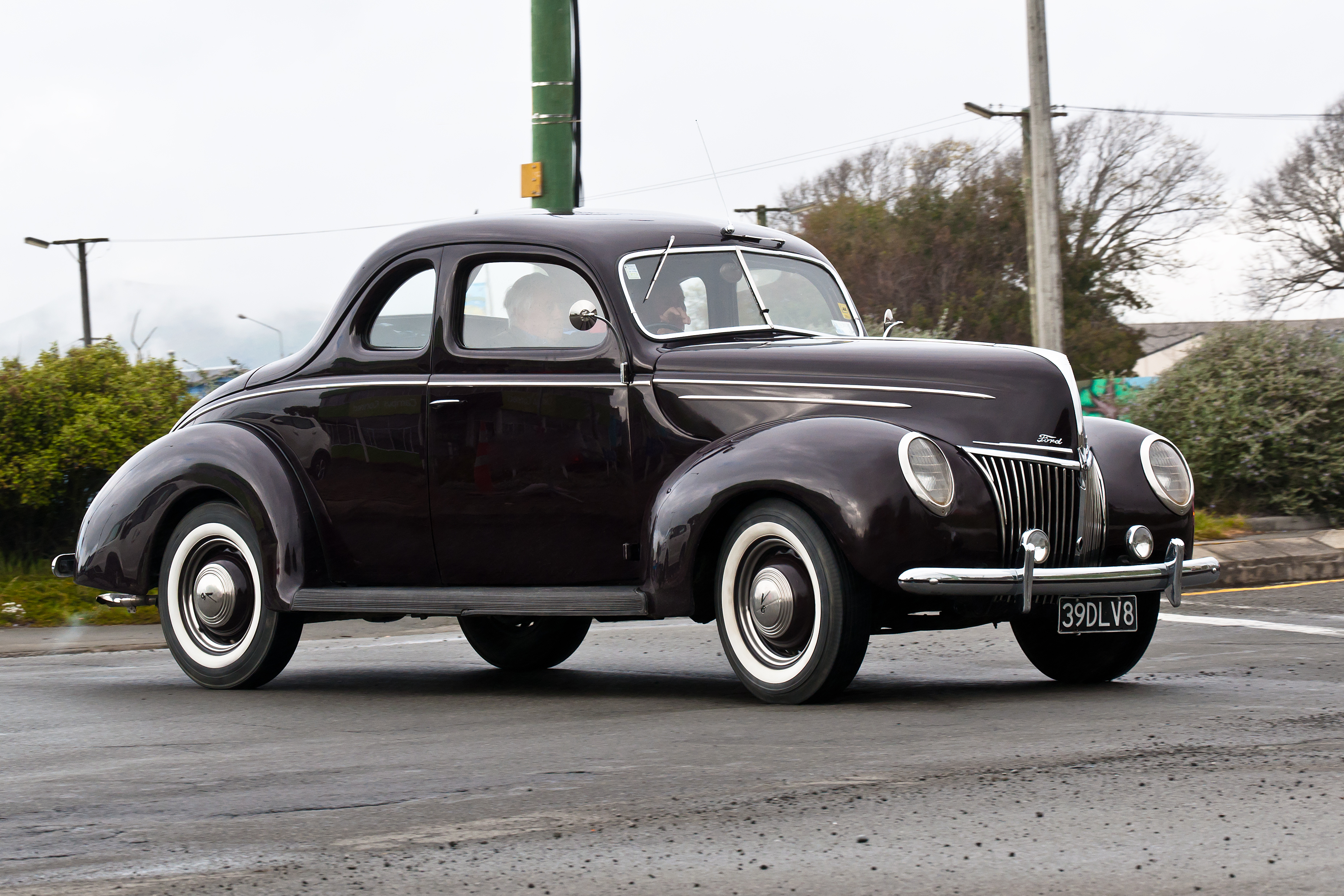 1939 ford delux photo