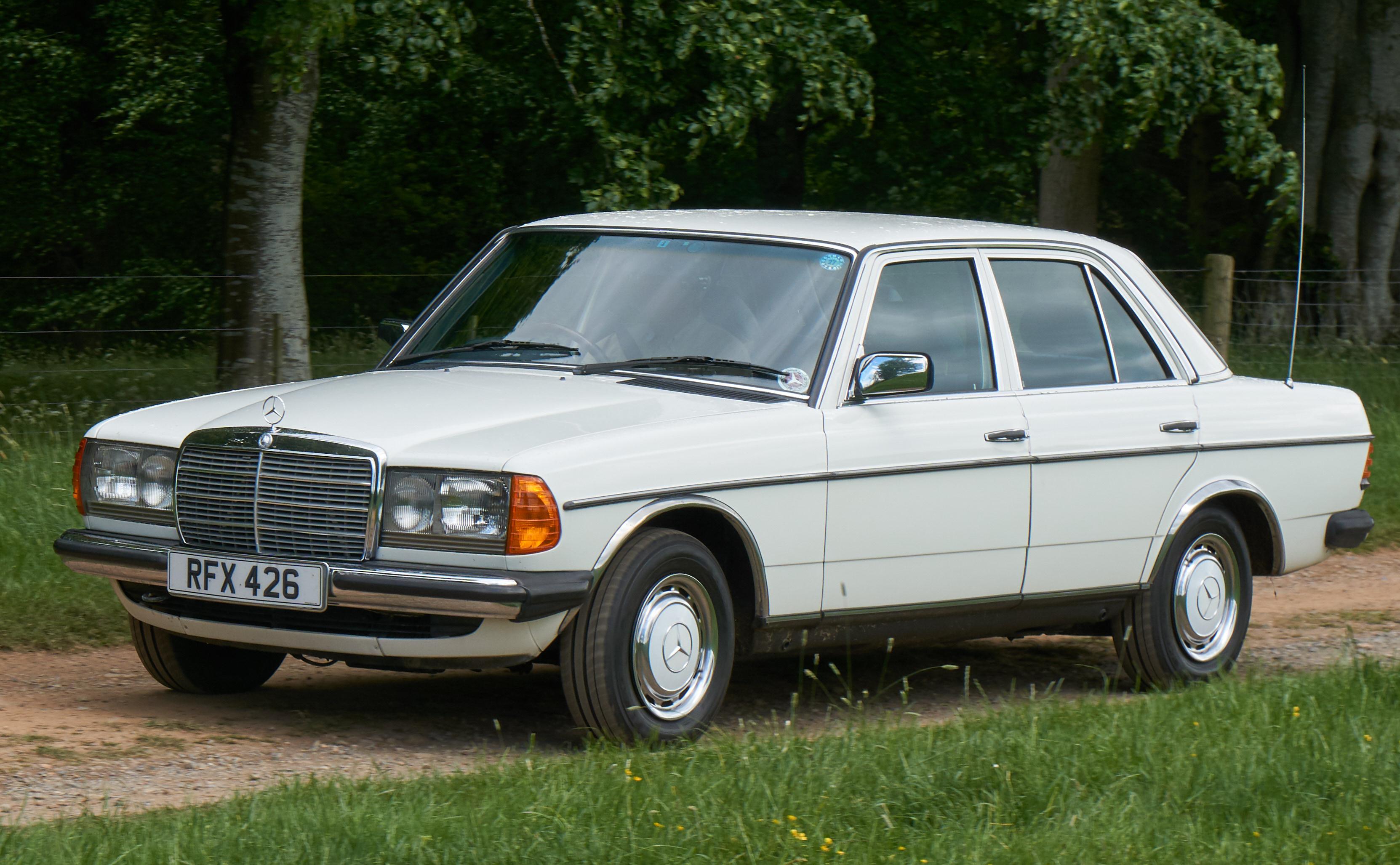 1985 mercedes 230e auto (w123) photo