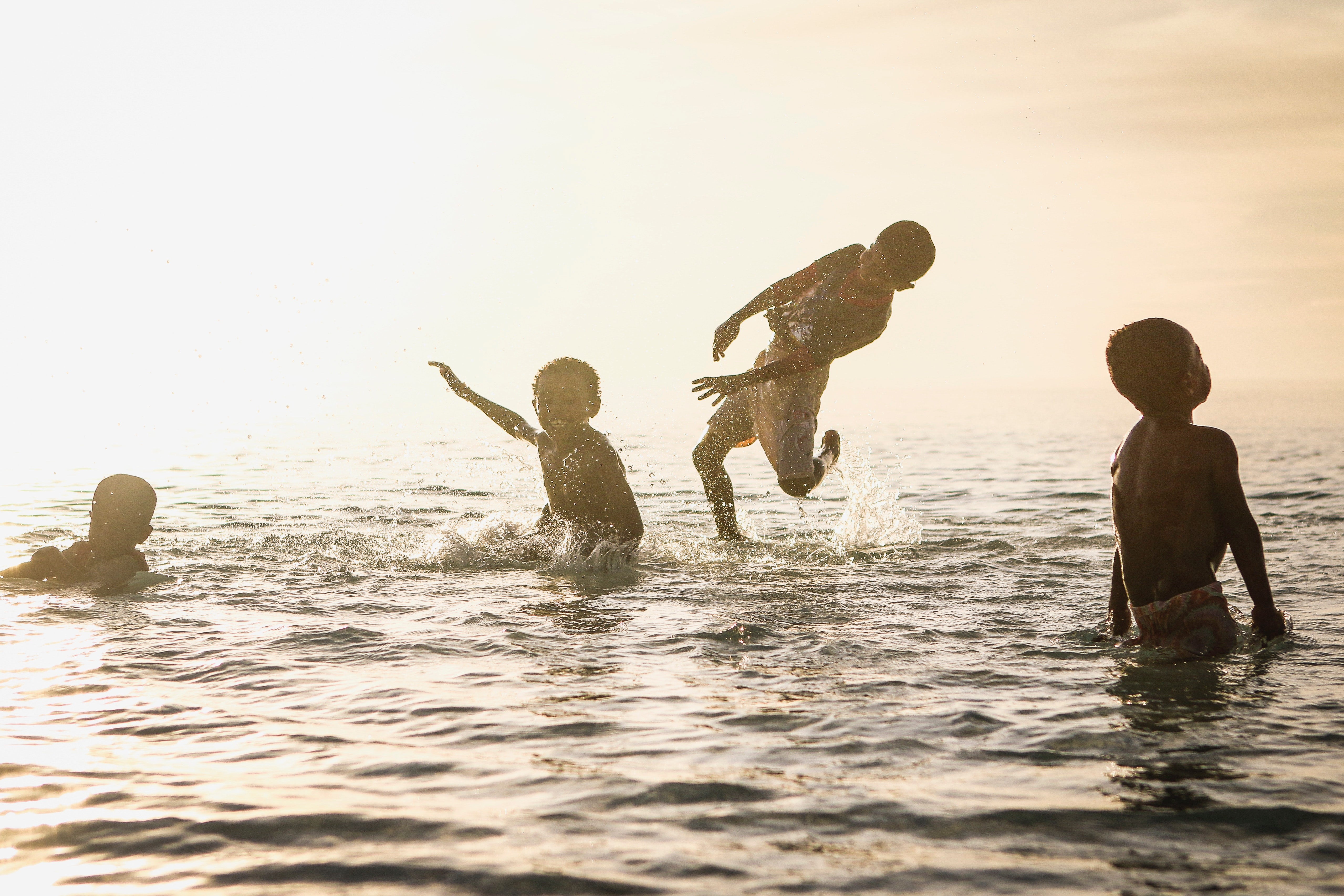 4 Person Playing in Ocean during Daytime, Children, Friends, Fun, Happy, HQ Photo