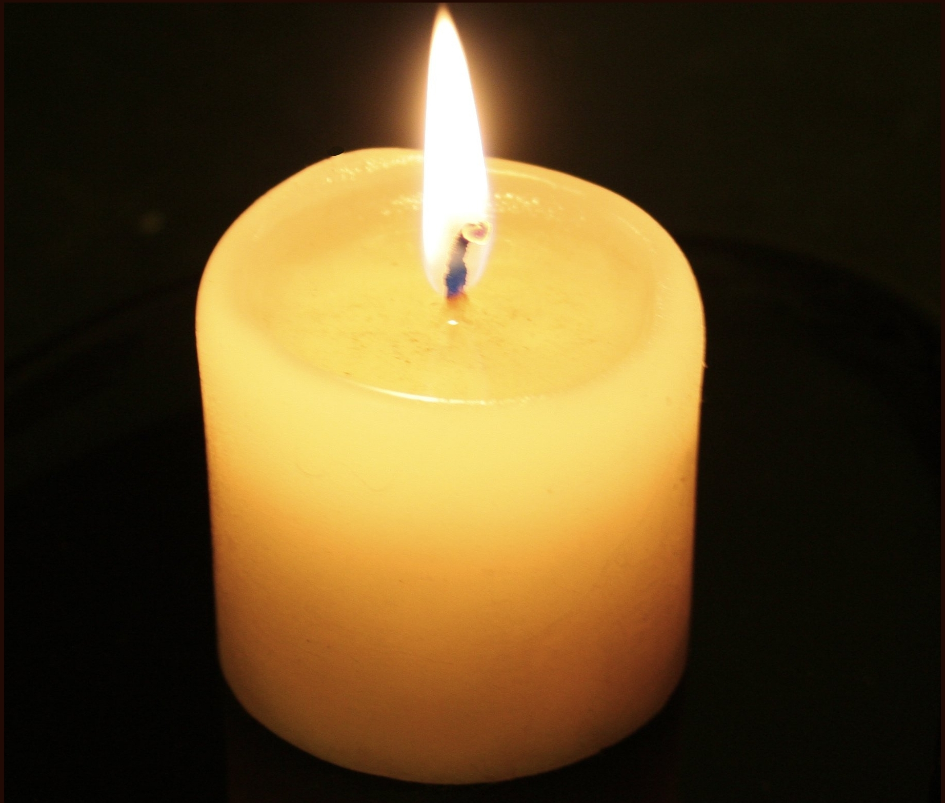 File:Candle-flame-no-reflection.jpg - Wikimedia Commons