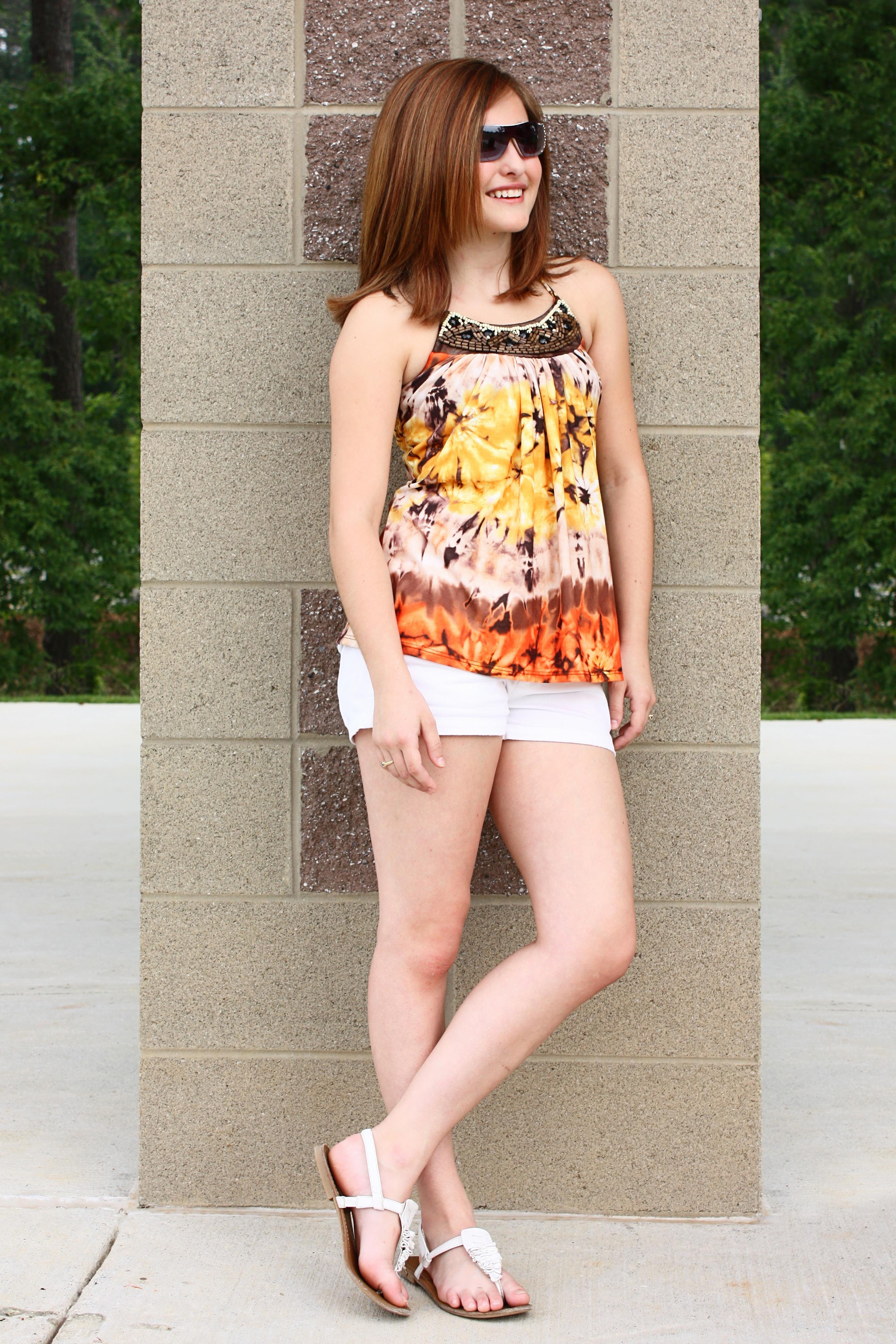 teen Cute girl posing young