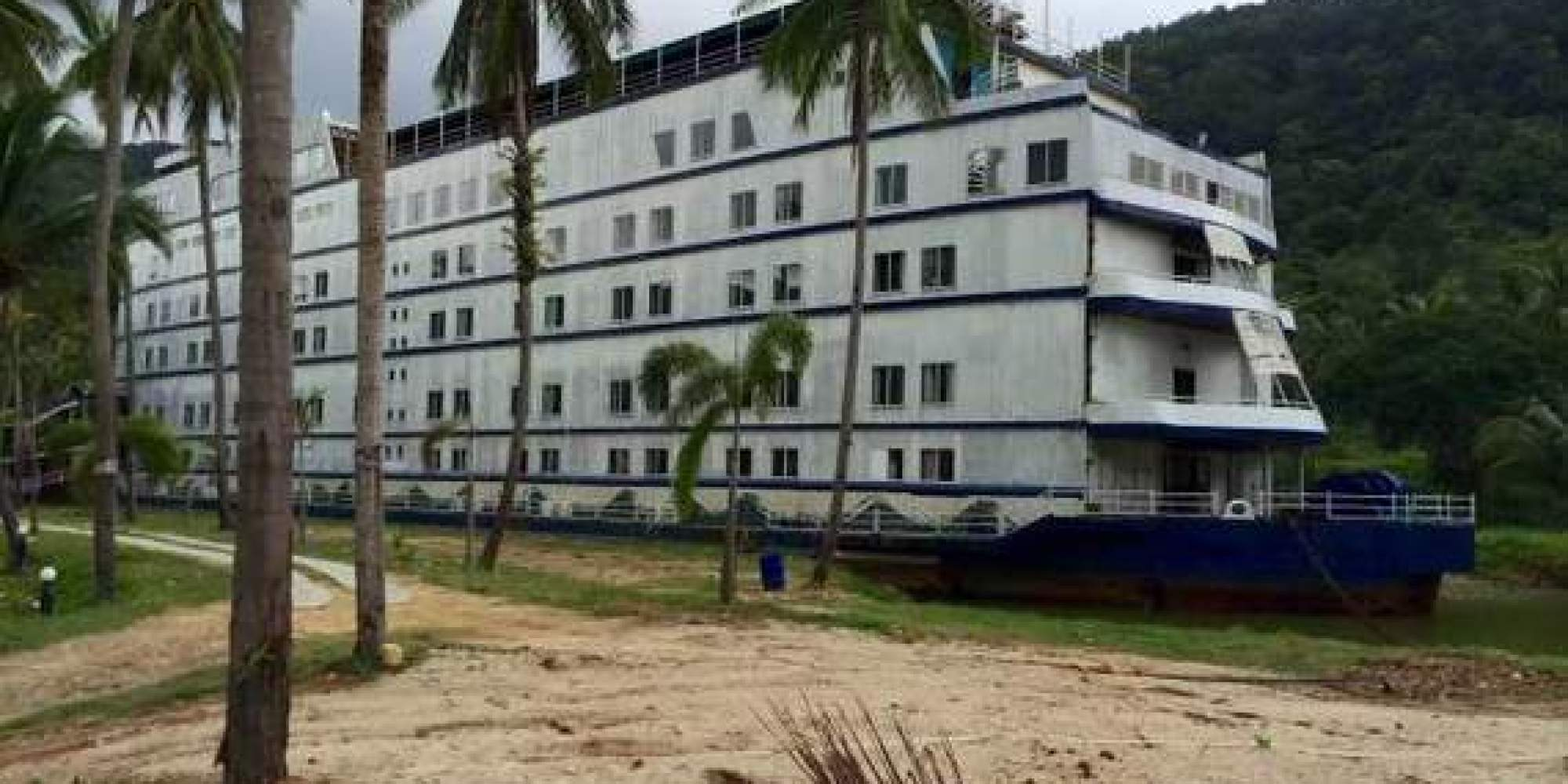 This Abandoned Cruise Ship on Koh Chang Will Give You the Creeps ...