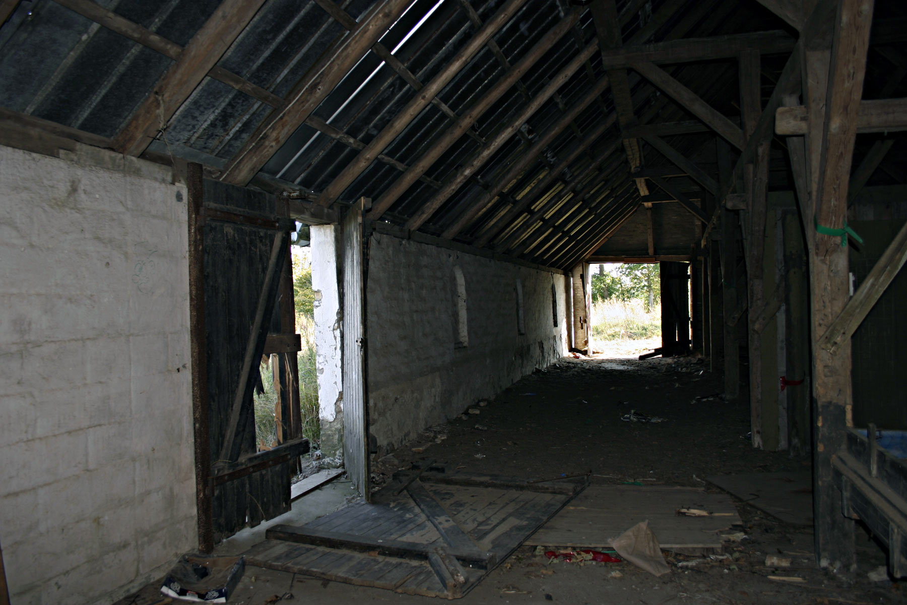 Abandoned building photo