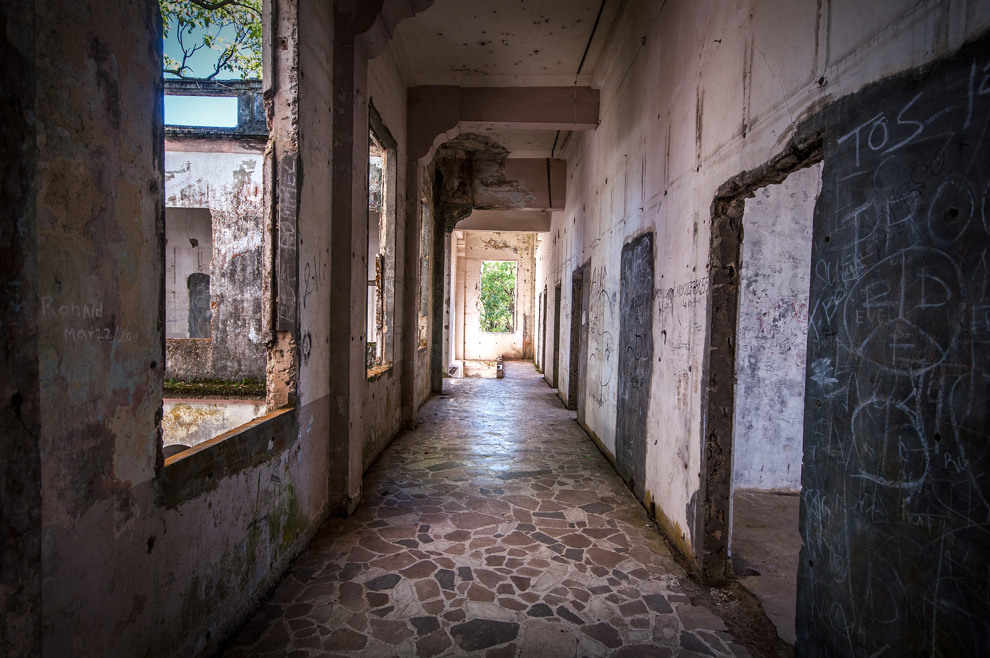 Amazing How To Photograph An Abandoned Building Steps Plus An ...