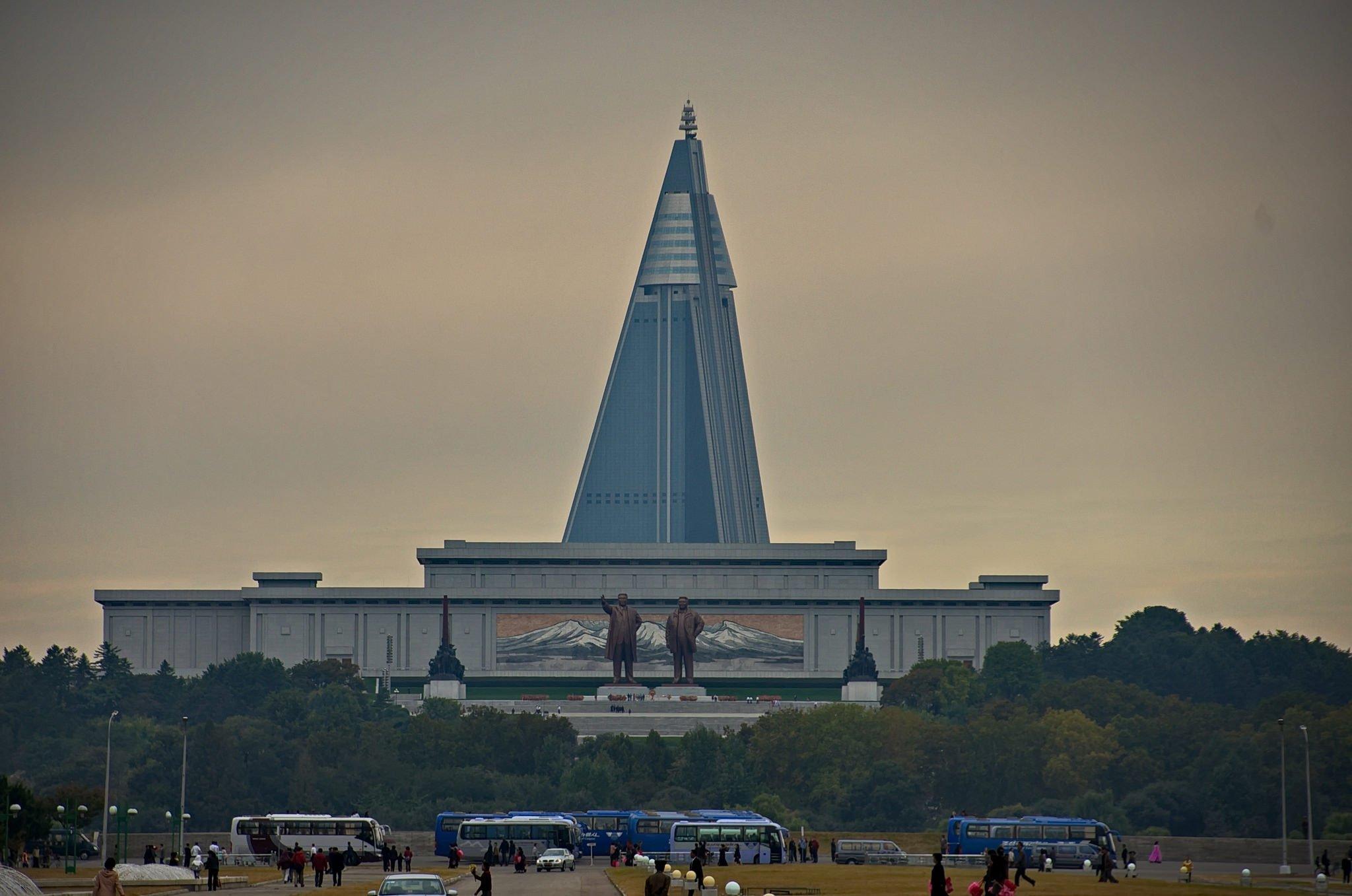 North Korea has the world's largest abandoned building - Business ...