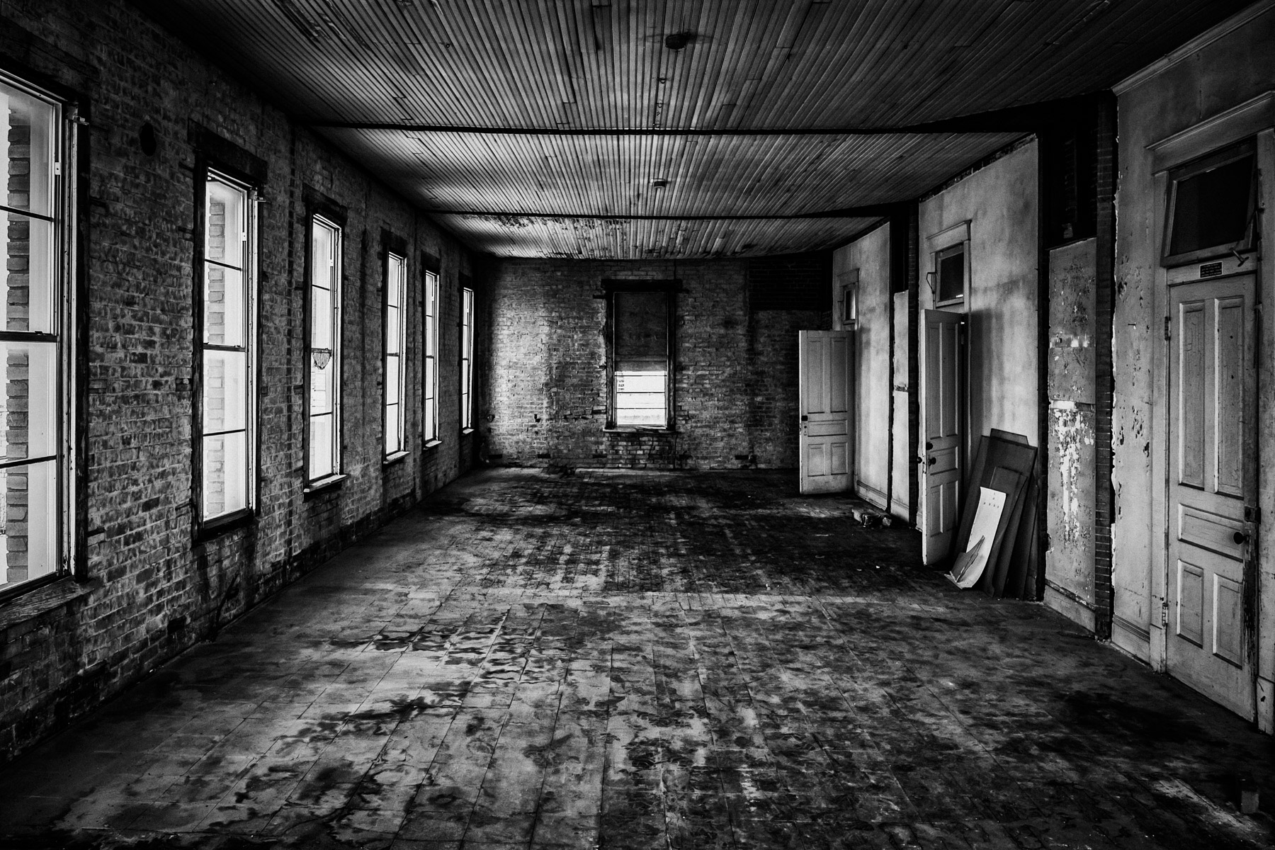The Abandoned Space | Dallas-Fort Worth | 75CentralPhotography