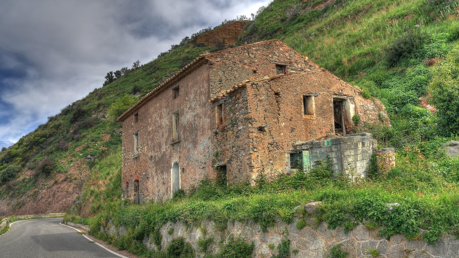 Abandoned stone house photo
