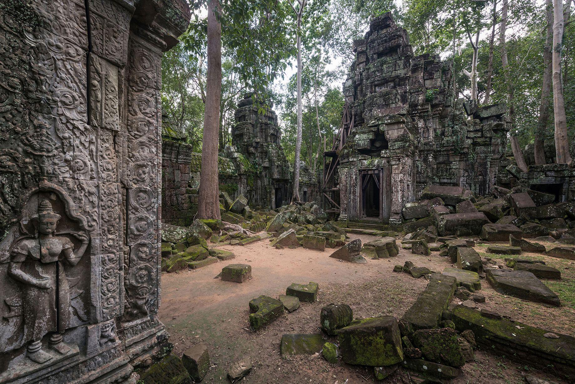 Abandoned temple photo