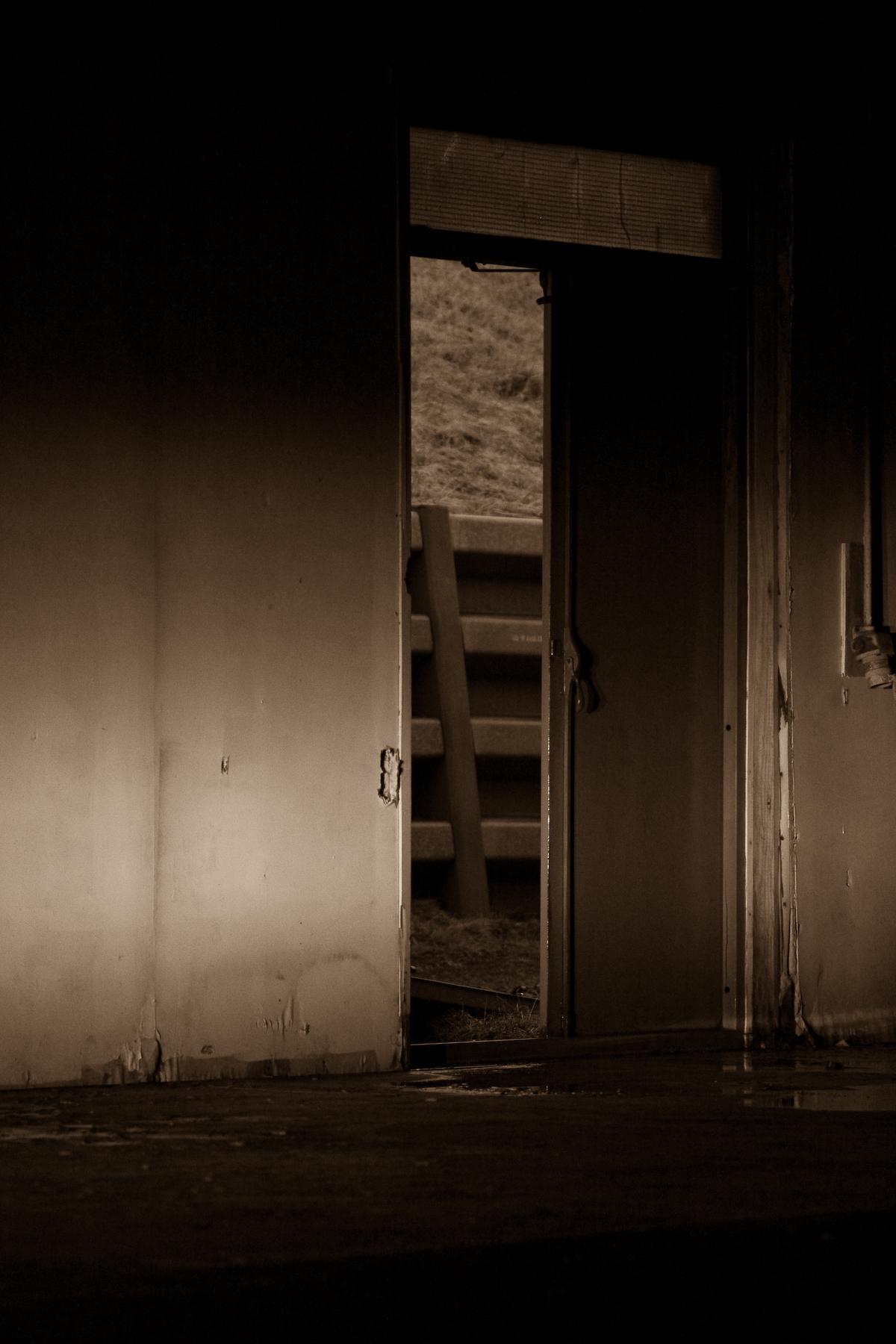 Abandoned warehouse, Abandoned, Building, Dark, Door, HQ Photo