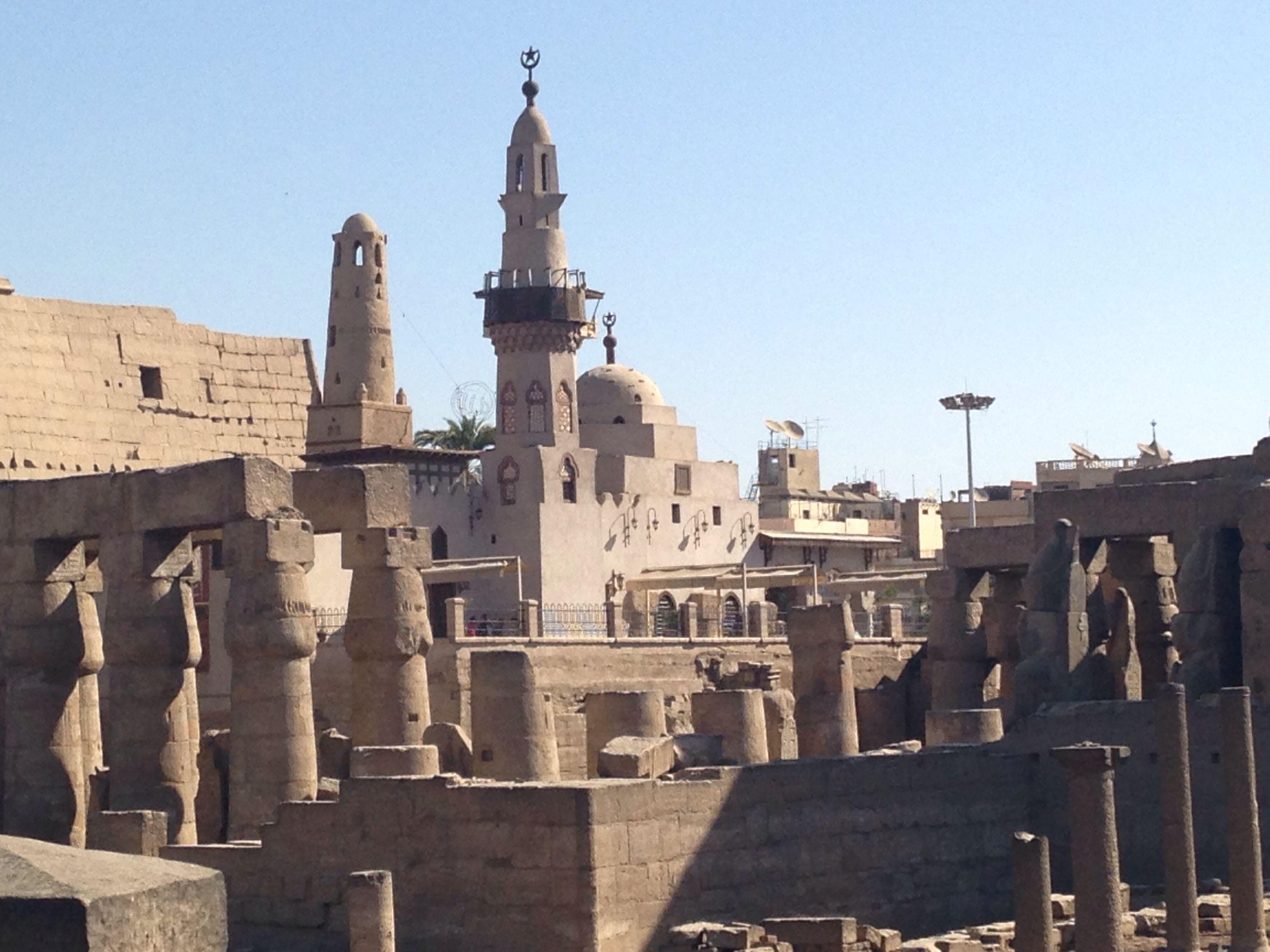 مسجد سيدي أبو الحجاج الأقصري وسط معبد الاقصر The Mosque of Sidi Abu ...