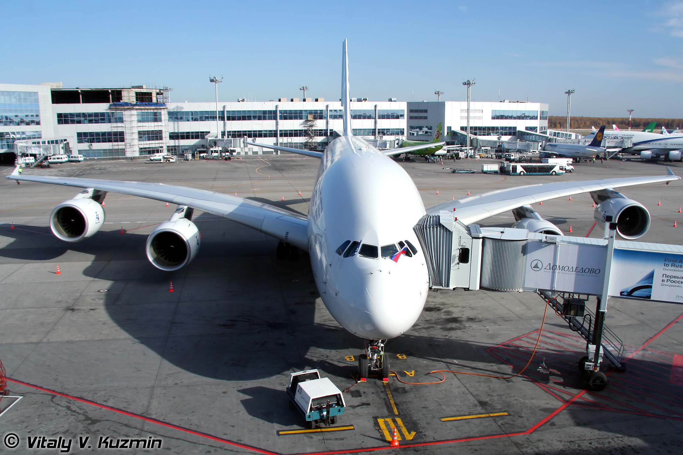 File:Airbus A380 (F-WWDD) at Domodedovo International Airport (248 ...