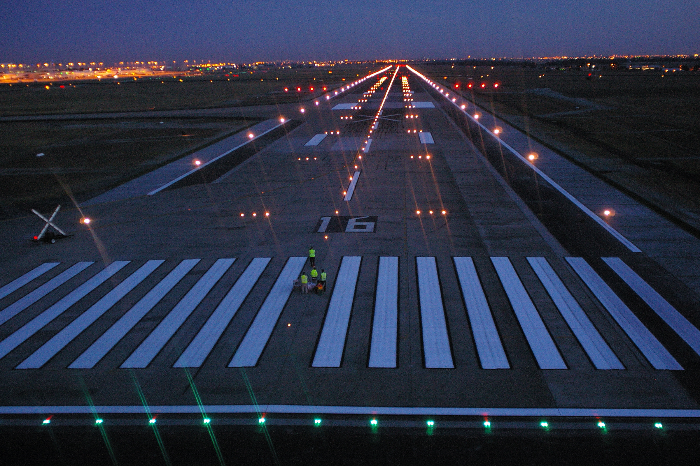 Melbourne Airport Main Runway Widening : John Holland