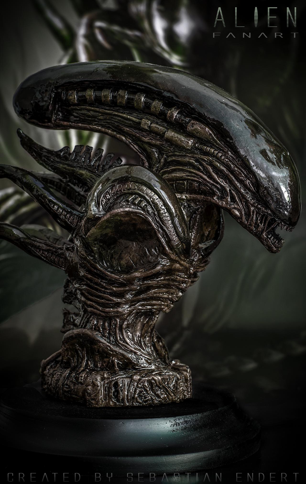 Alien sculpture photo