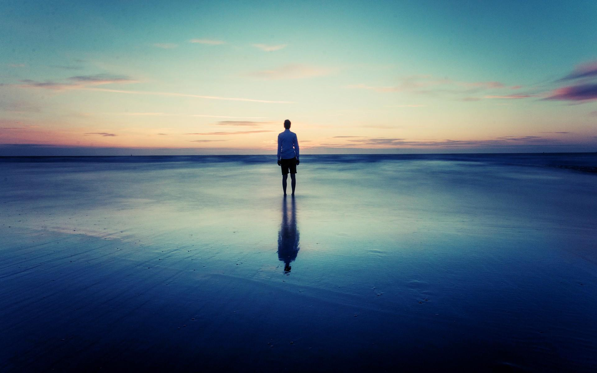 Tired Of Feeling Alone: 7 Sure Ways Of Fighting Loneliness