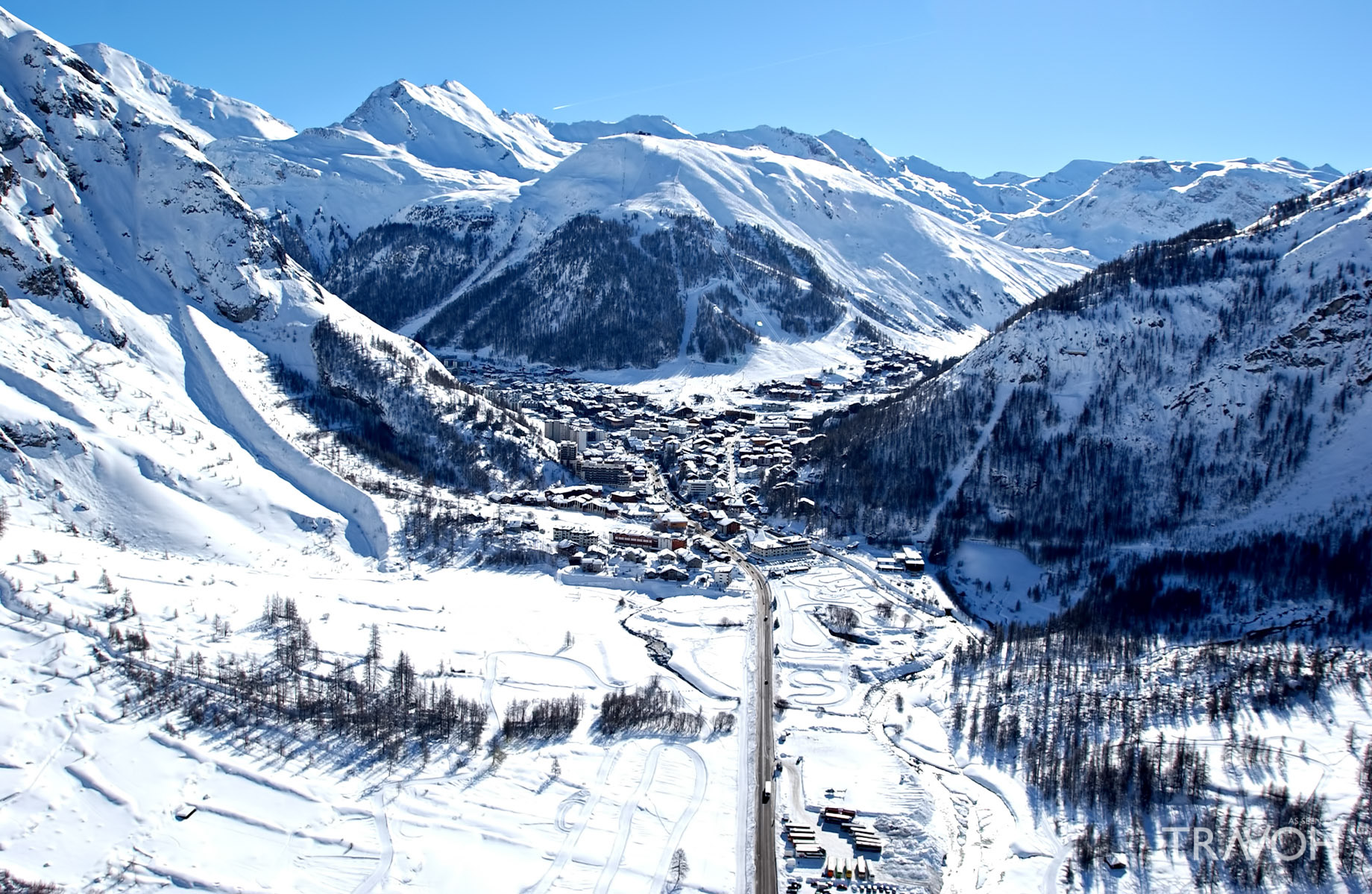 French Alps Mountain Resorts – An Exclusive Tres Chic Luxury Winter ...
