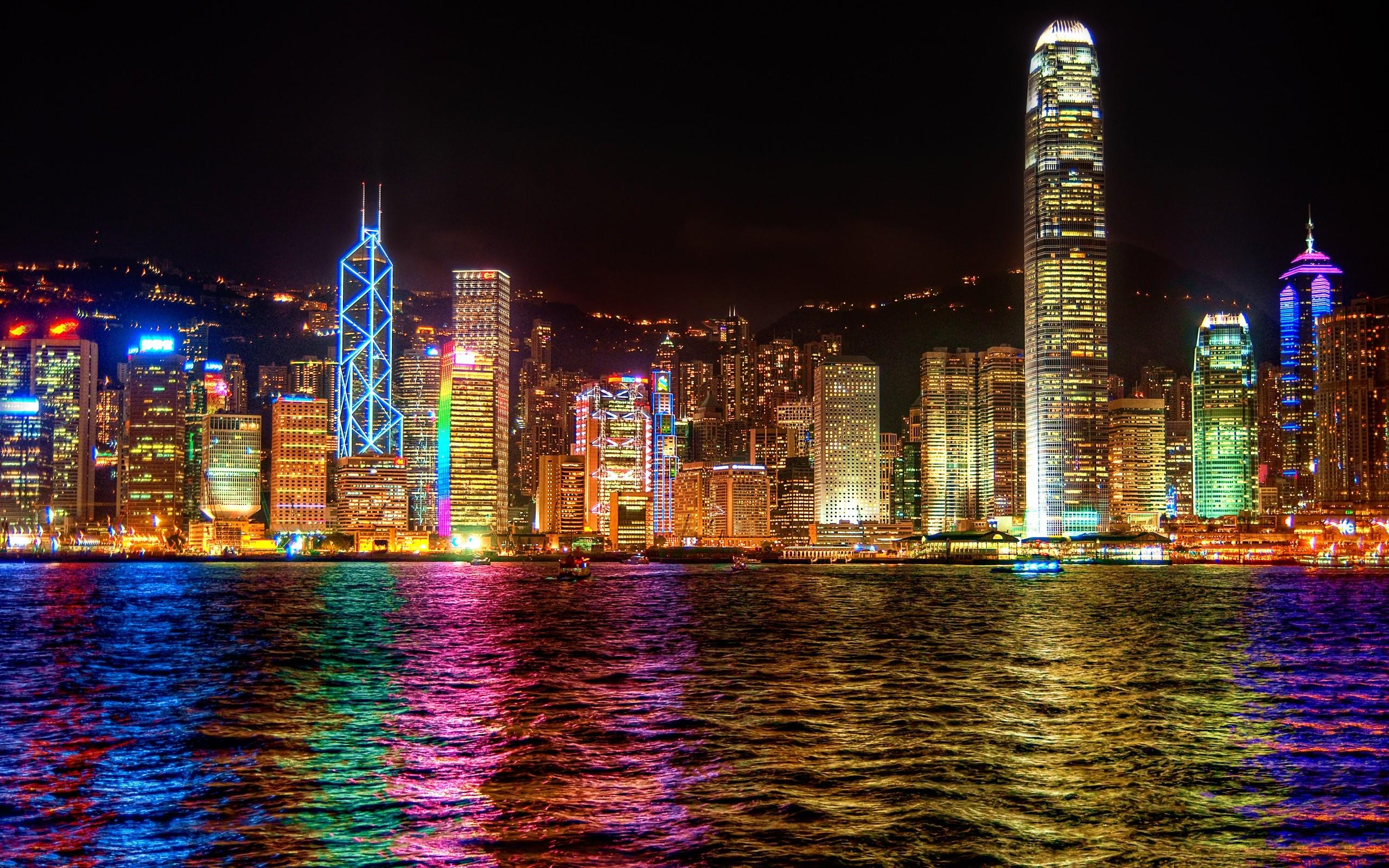 Skyscrapers: Hong Kong Colorful Peaceful Skyscrapers Building ...