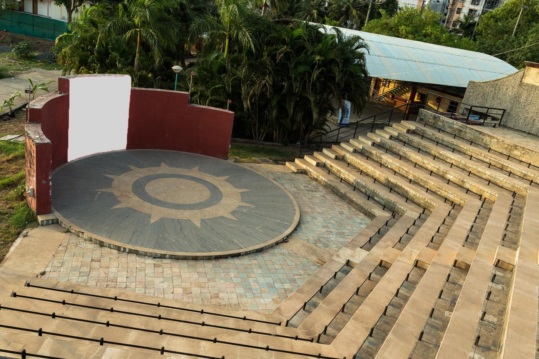 Amphitheatre – nerulgymkhana