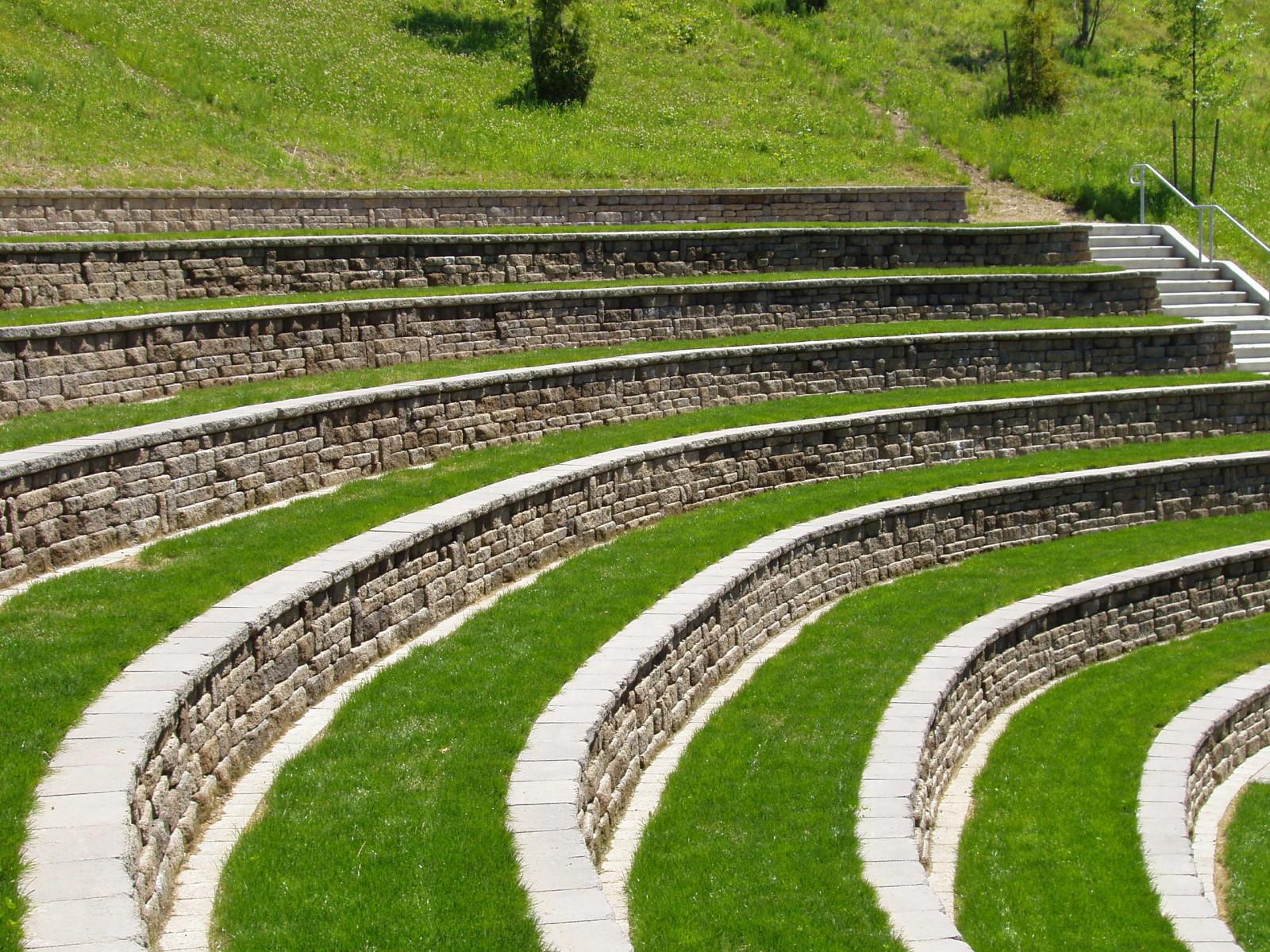 Lewis River Amphitheatre - Mutual Materials