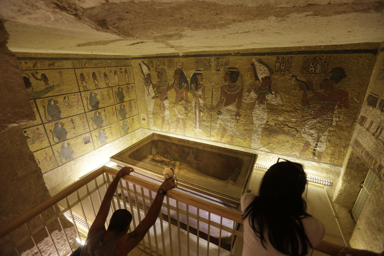 King Tut's burial chamber has hidden rooms   Rutland Herald