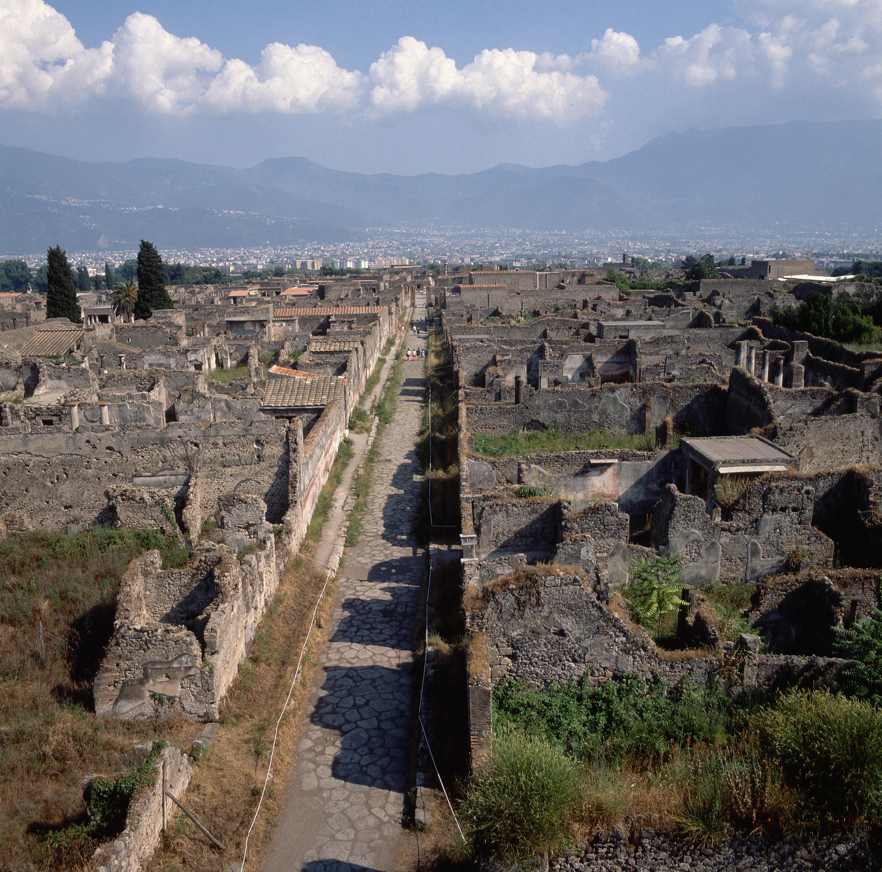 via-di-mercurio-at-pompeii - Roman Architecture and Engineering ...
