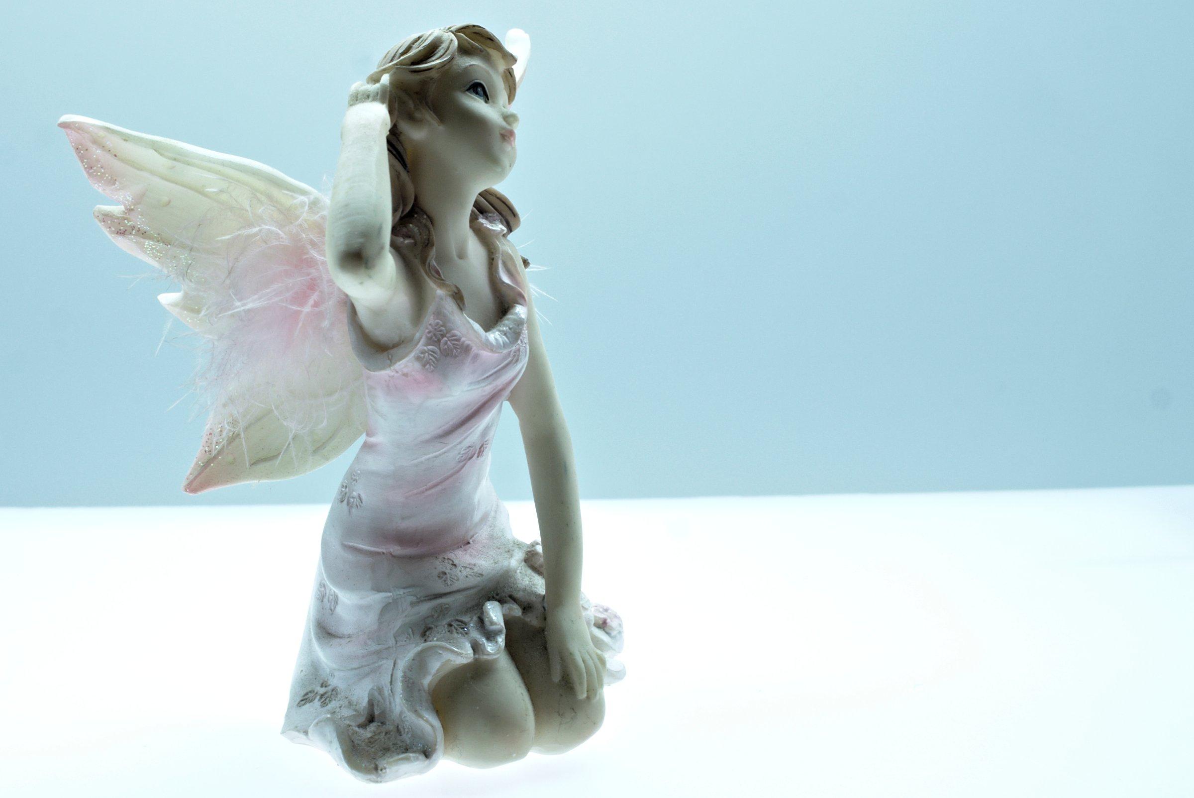 Angel figurine photo