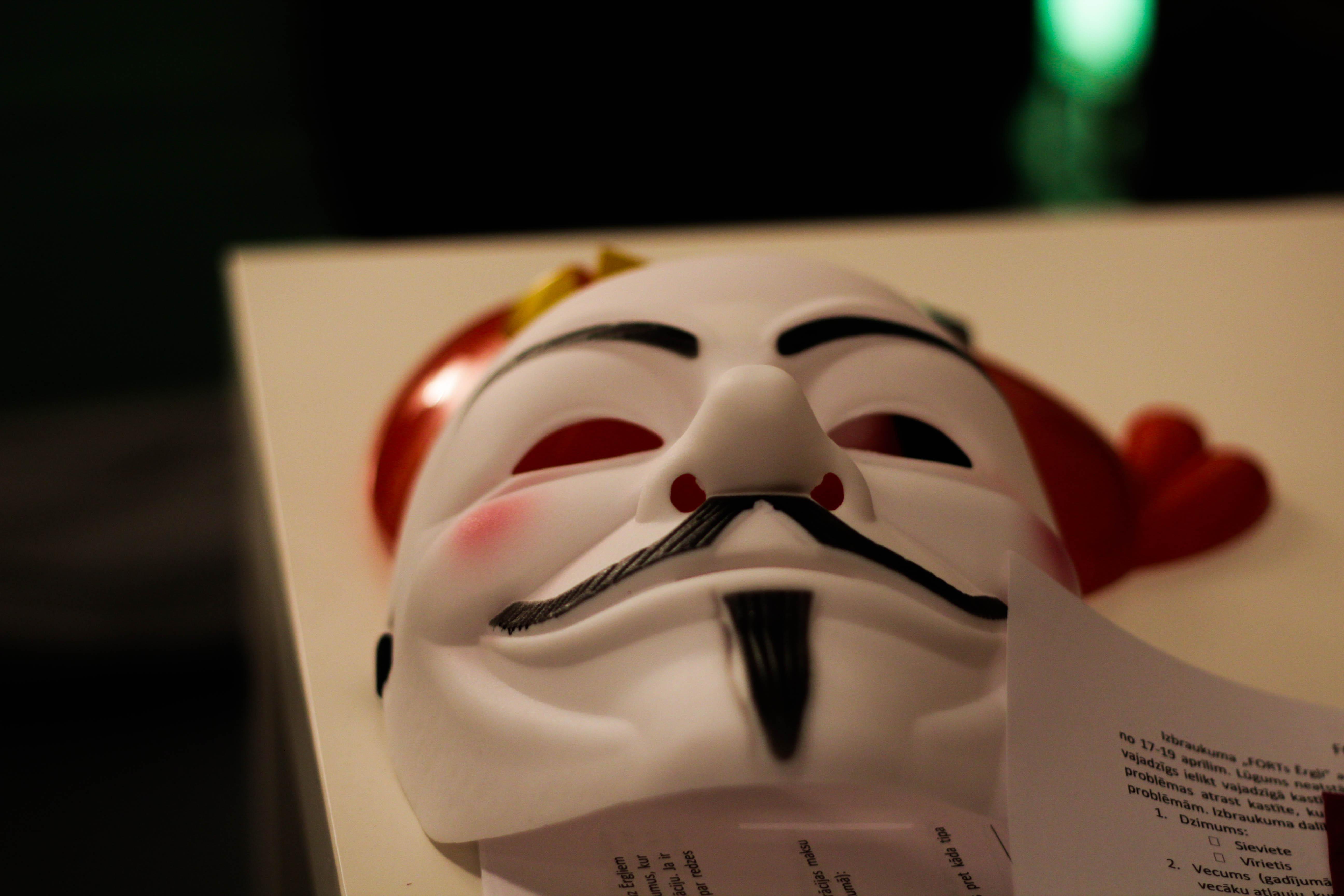 prix vente professionnelle économiser jusqu'à 80% Free photo: Anonymous - Question, Table, Mask - Free ...
