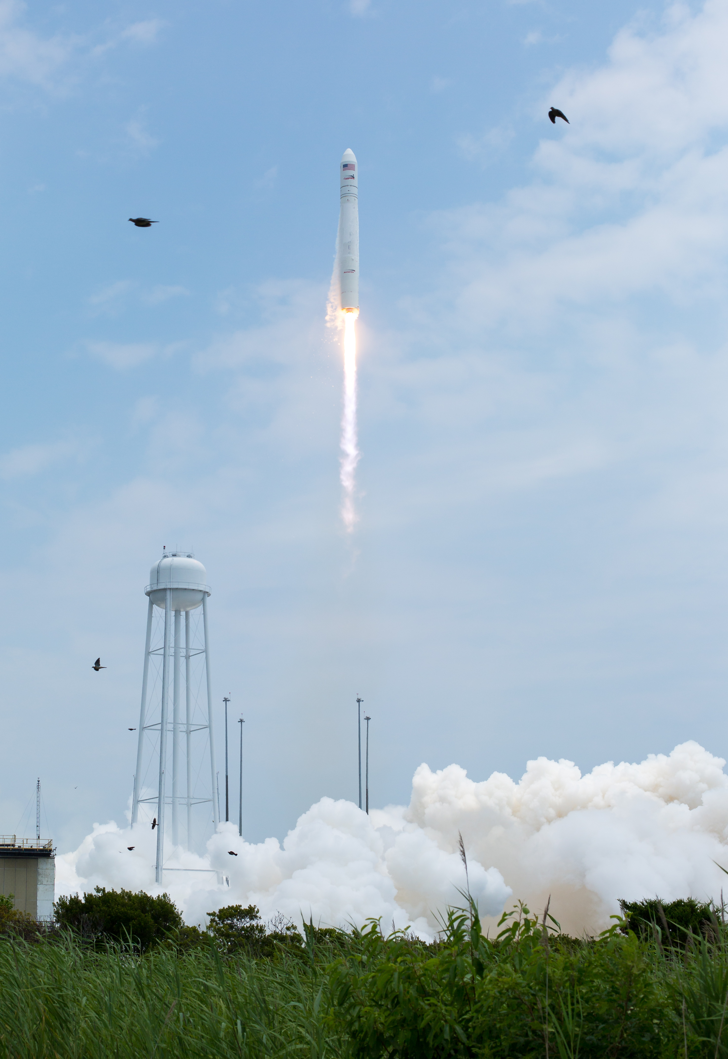 File:Antares Orb-2 launch from Wallops (201407130018HQ).jpg ...