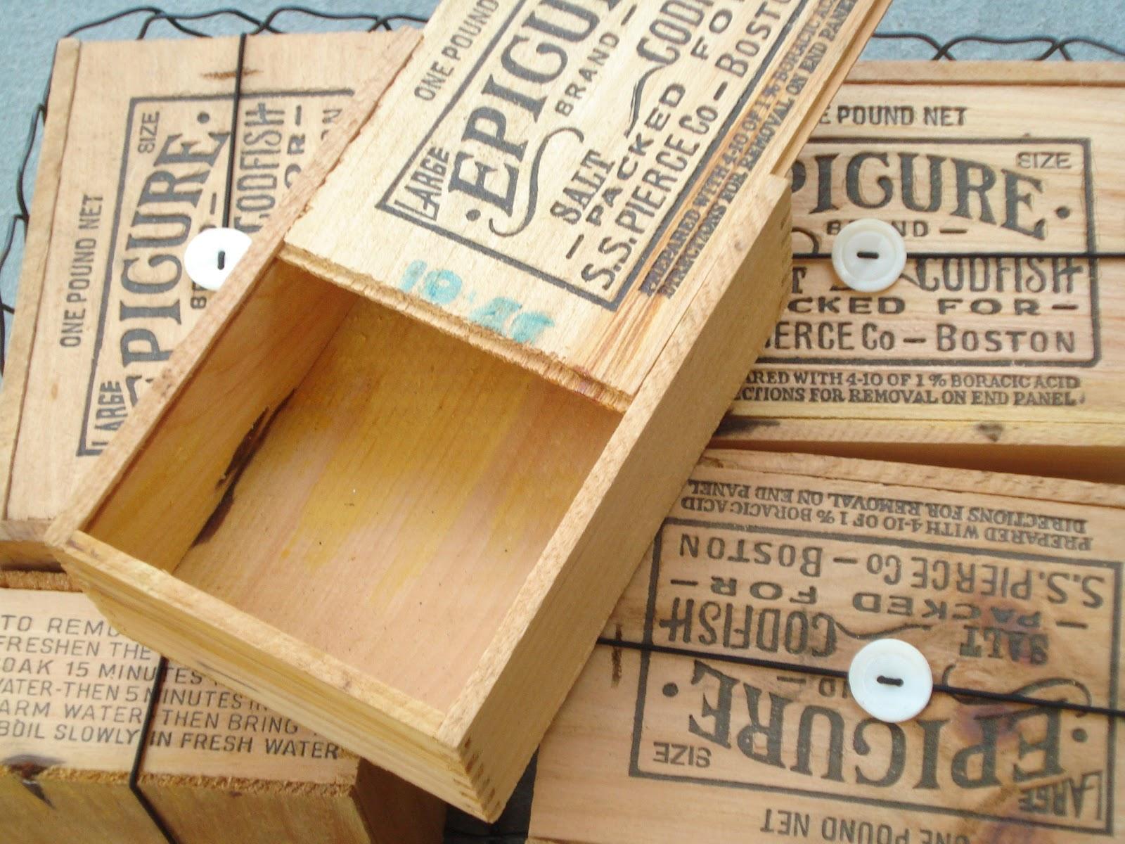 Cricket Acres Studio: Packaging