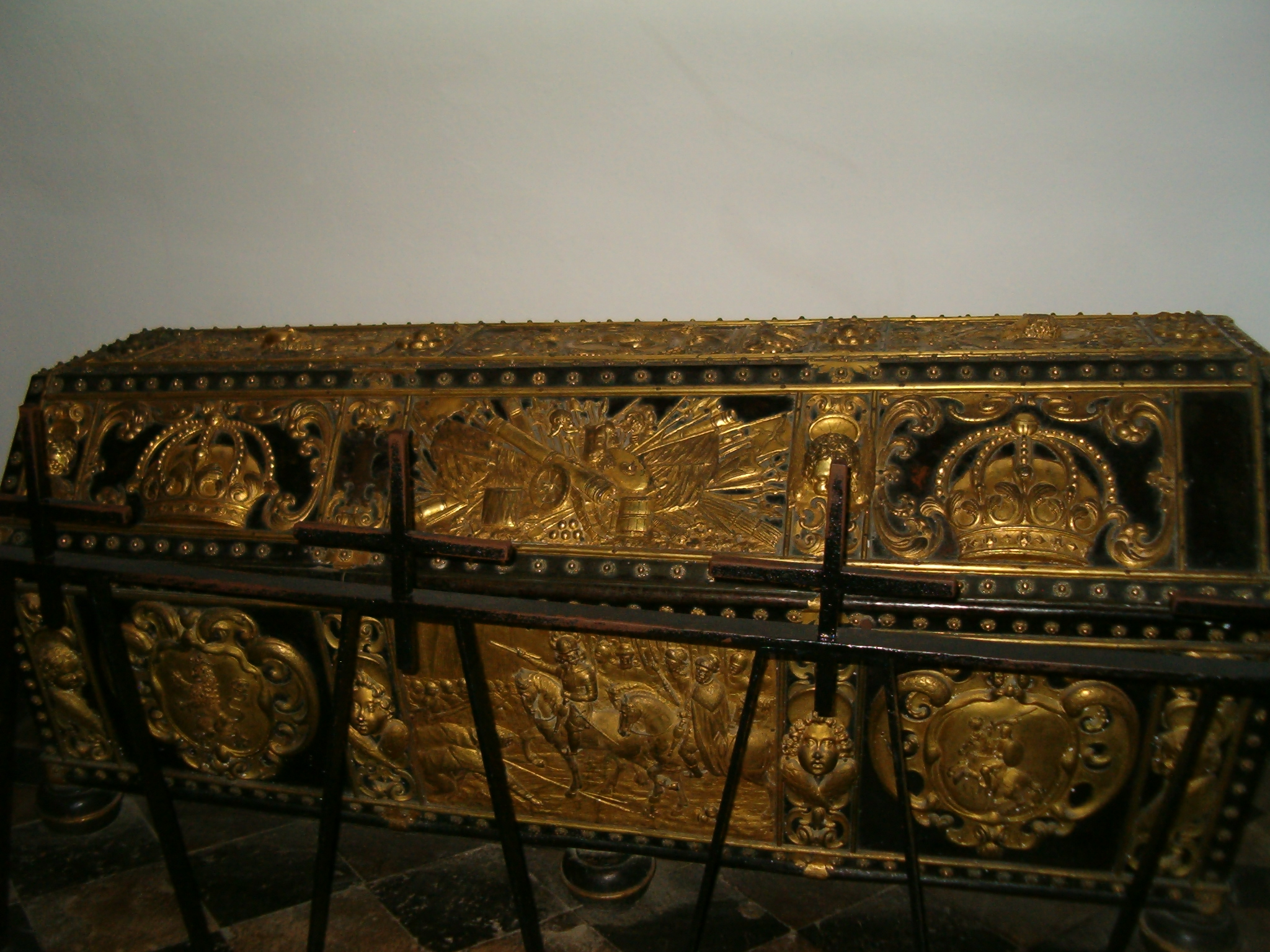 Antique sarkofag photo