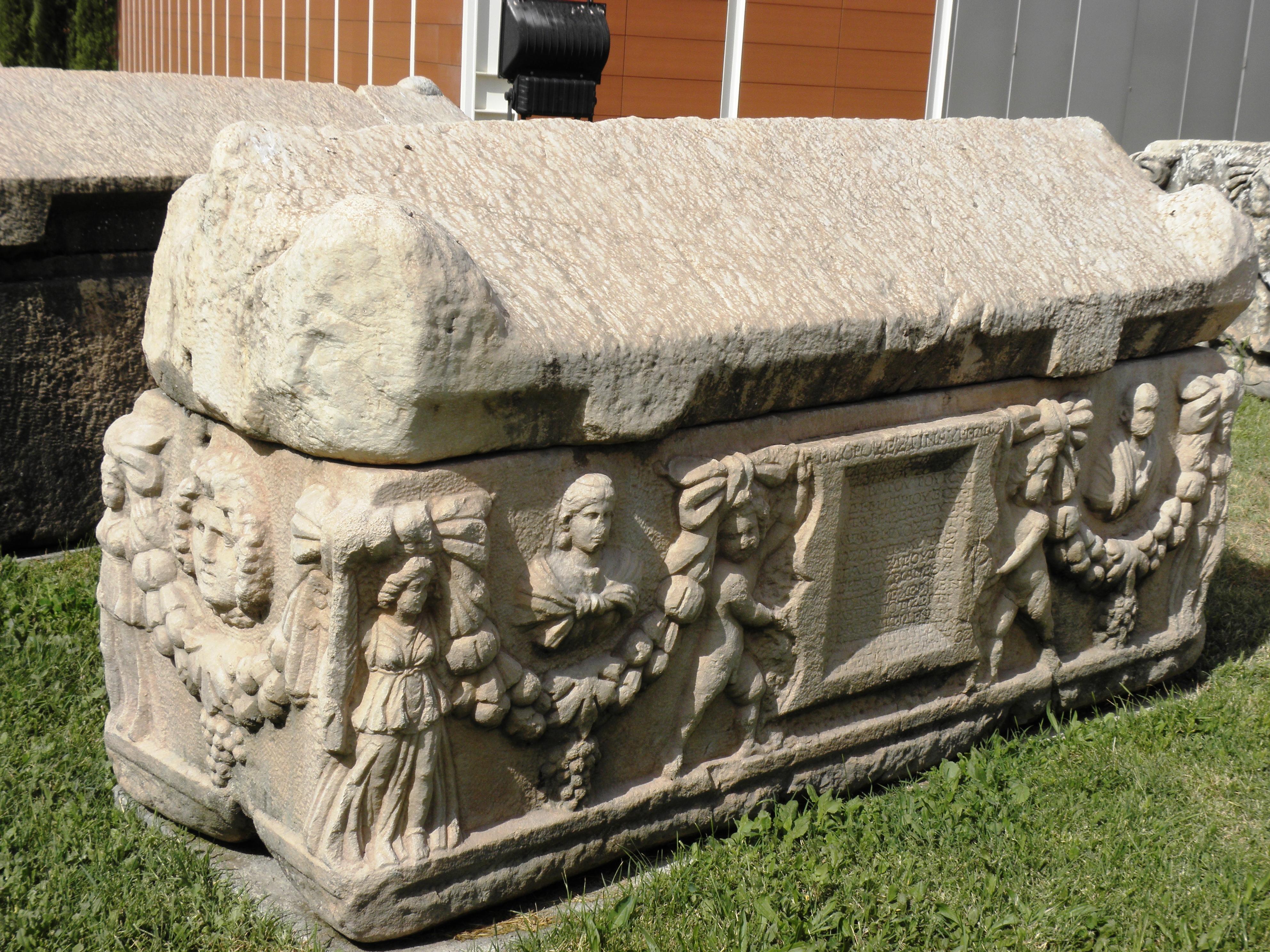 Sarkofag stone photo