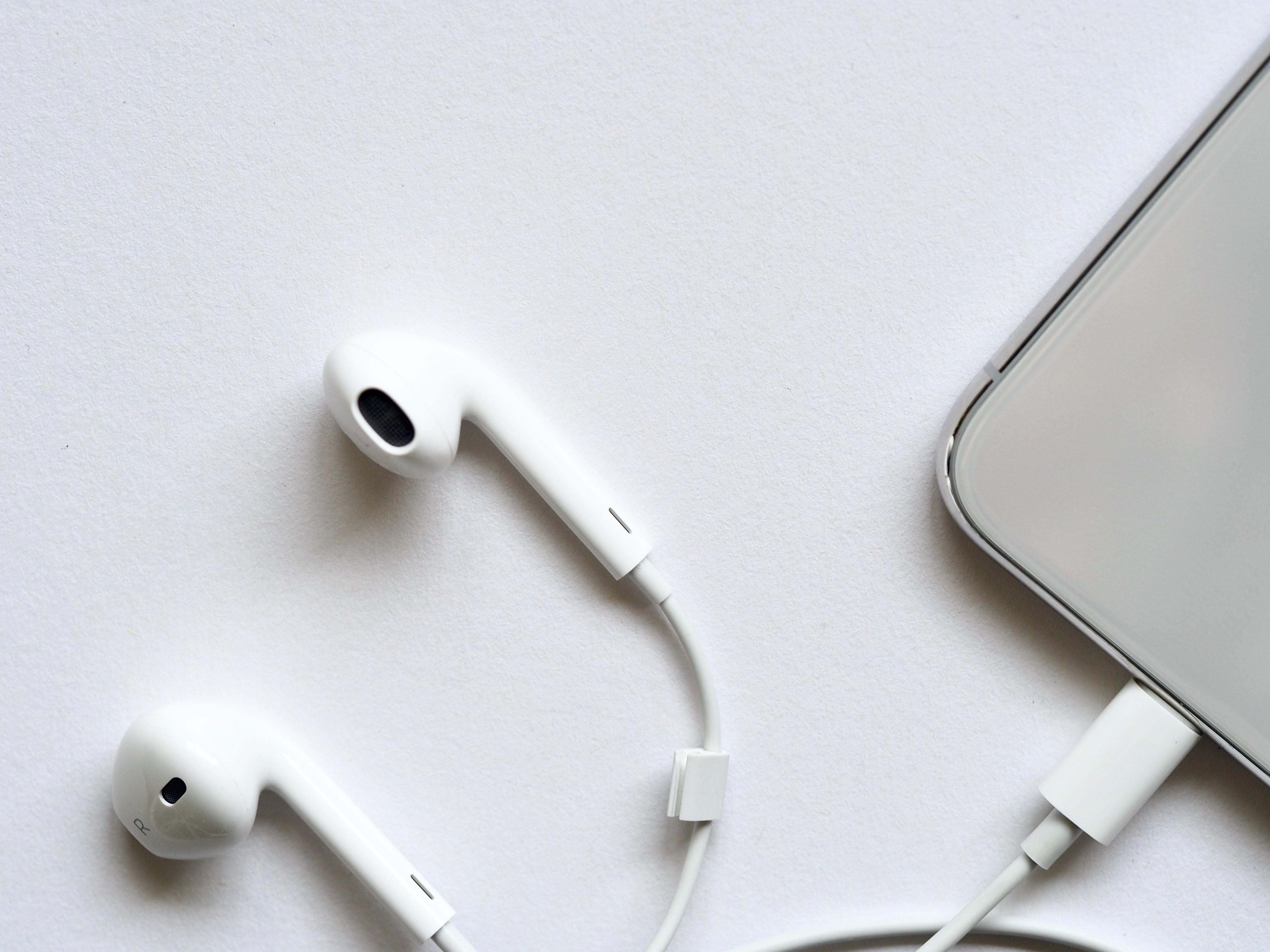Apple earpods photo
