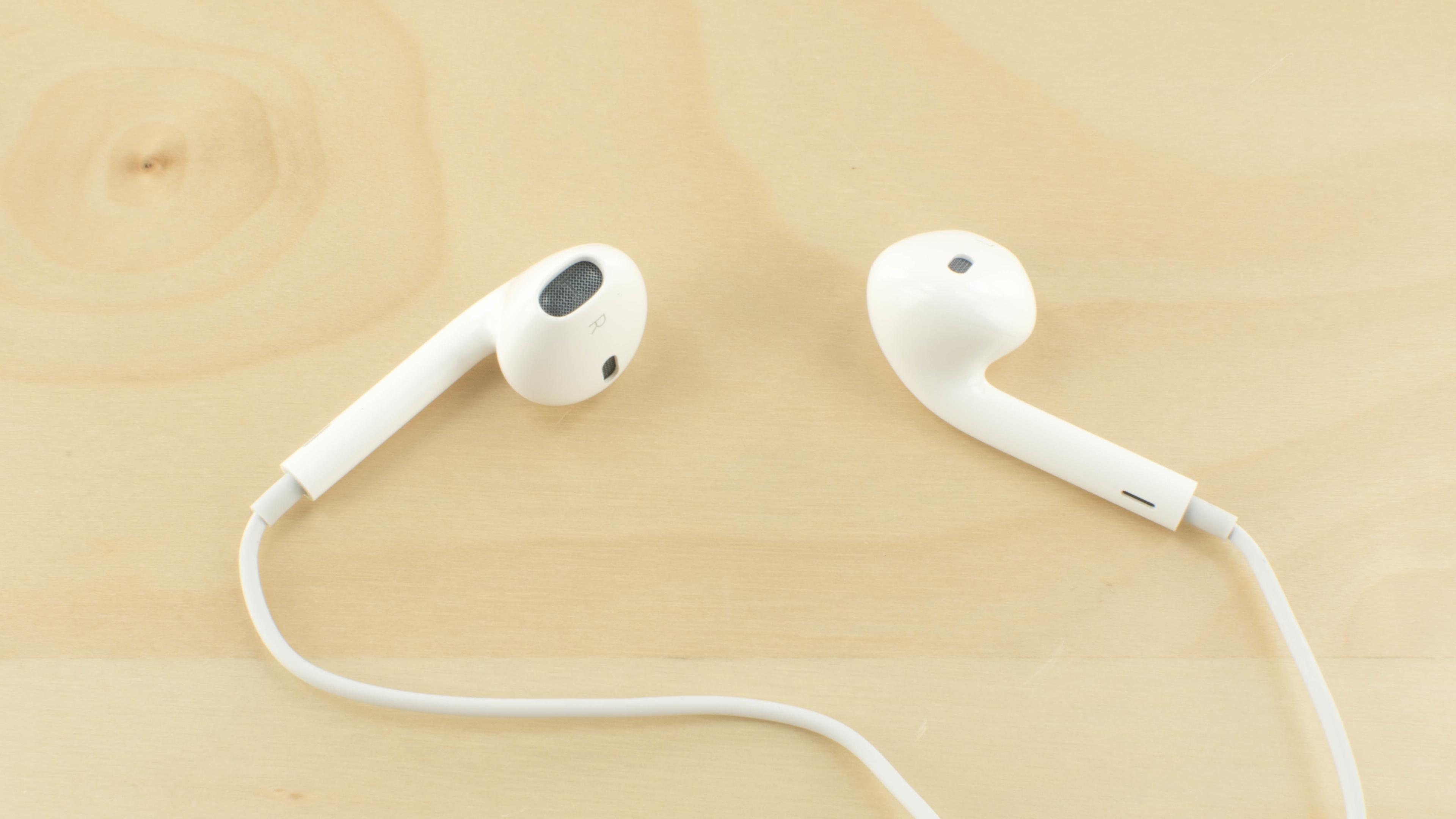 Apple EarPods Review