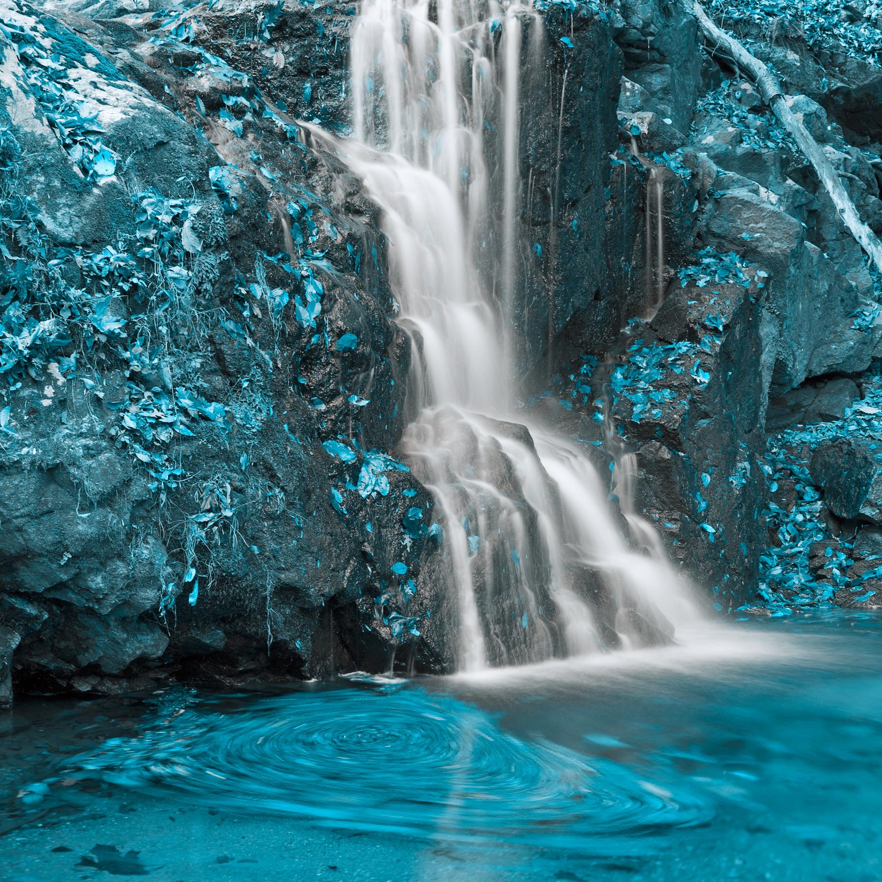 Aquamarine Falls, Rotating, Spectacular, Soft, Smooth, HQ Photo