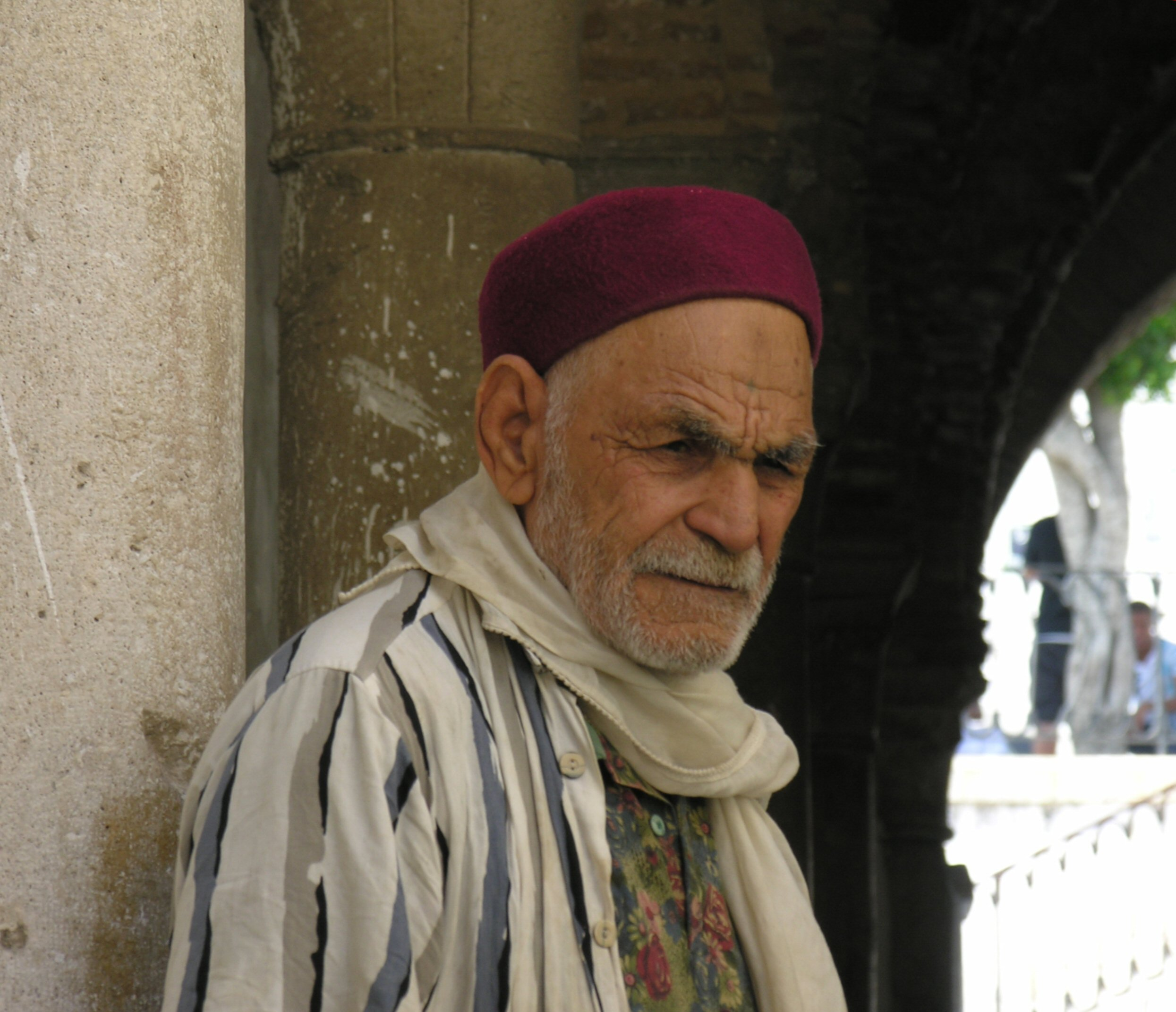 File:Old Man in Tunis.jpg - Wikimedia Commons