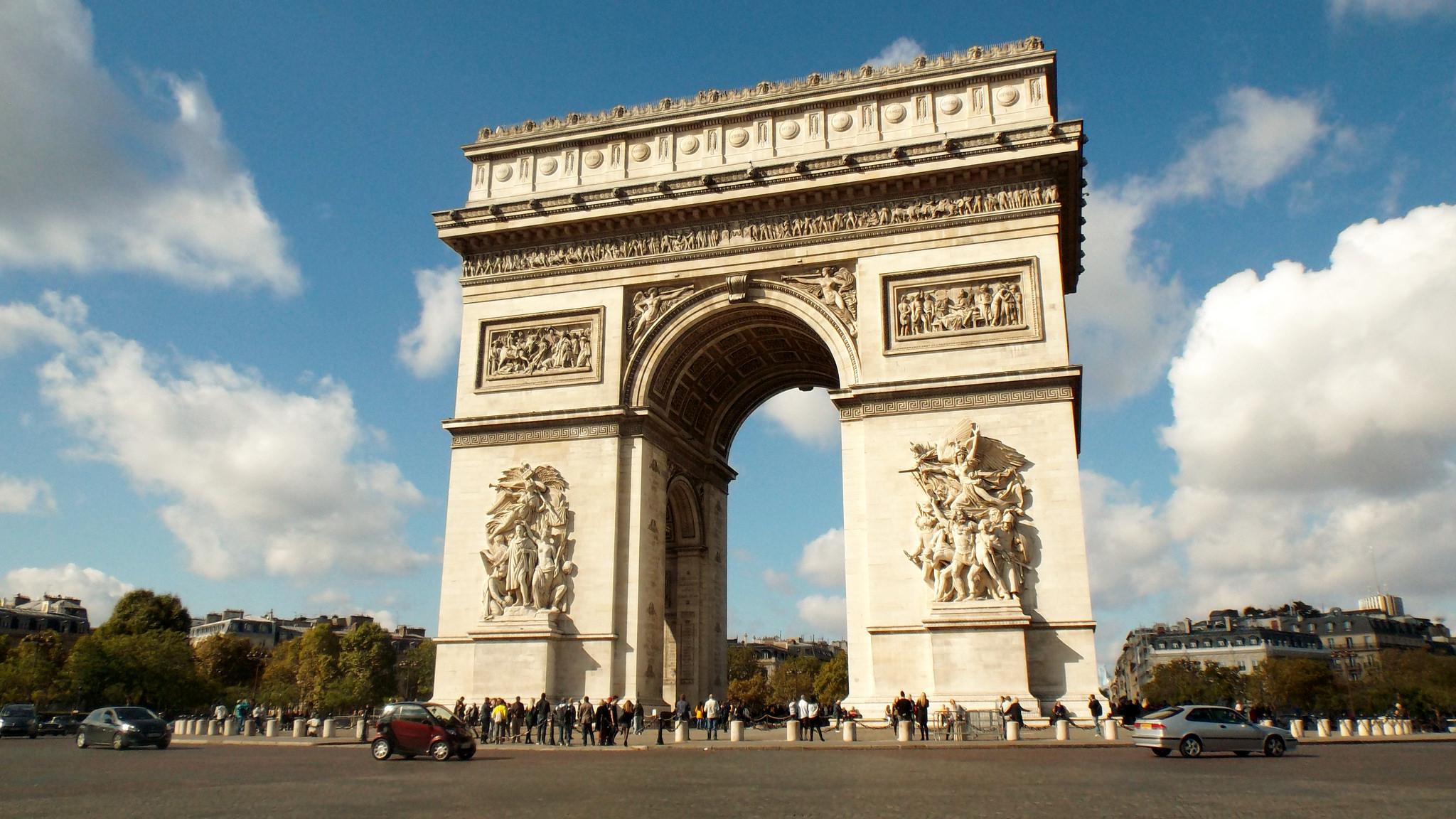 Arc de Triomphe - Monument in Paris - Thousand Wonders