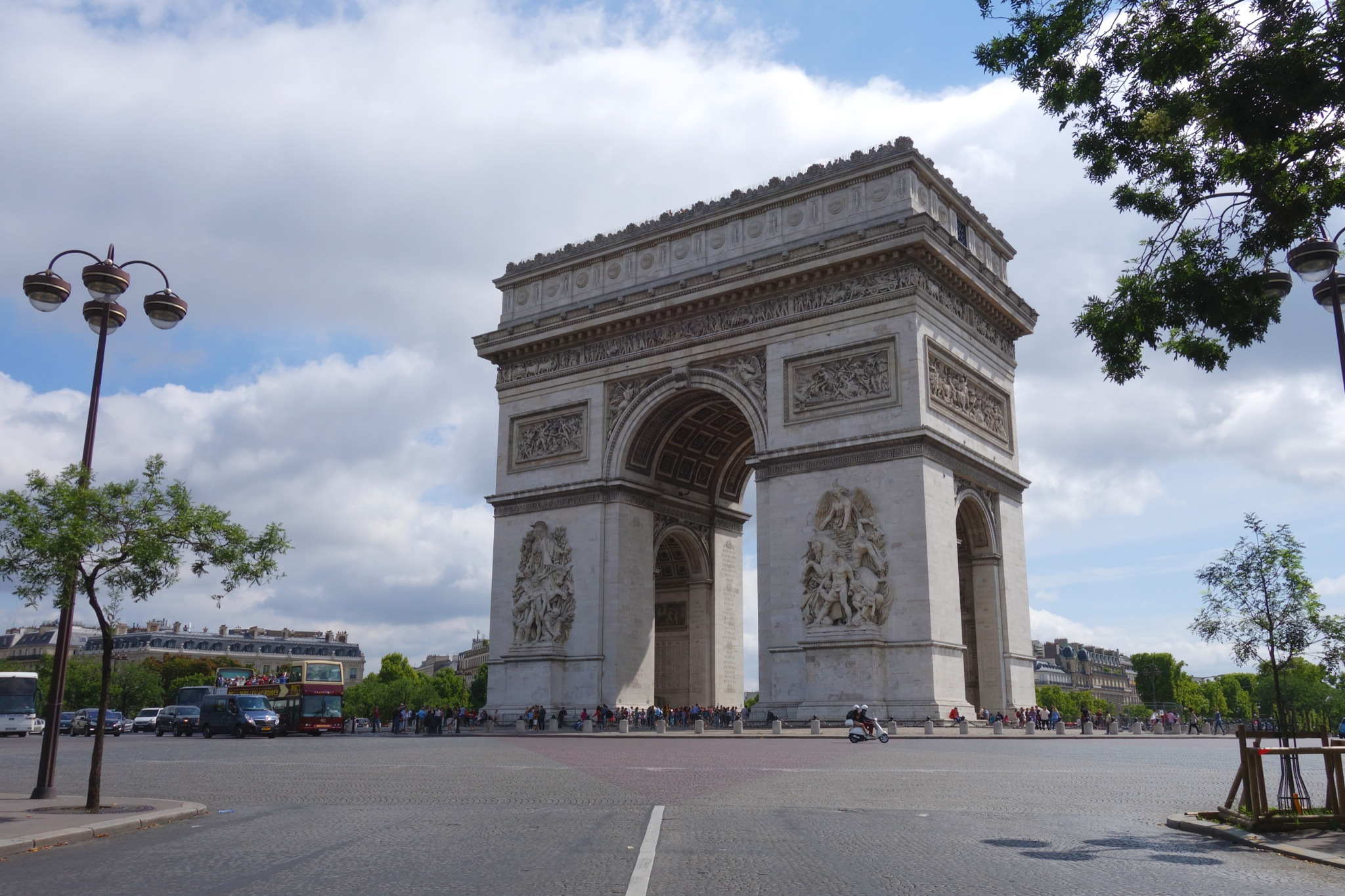Arc de Triomphe - SmarterParis city guide