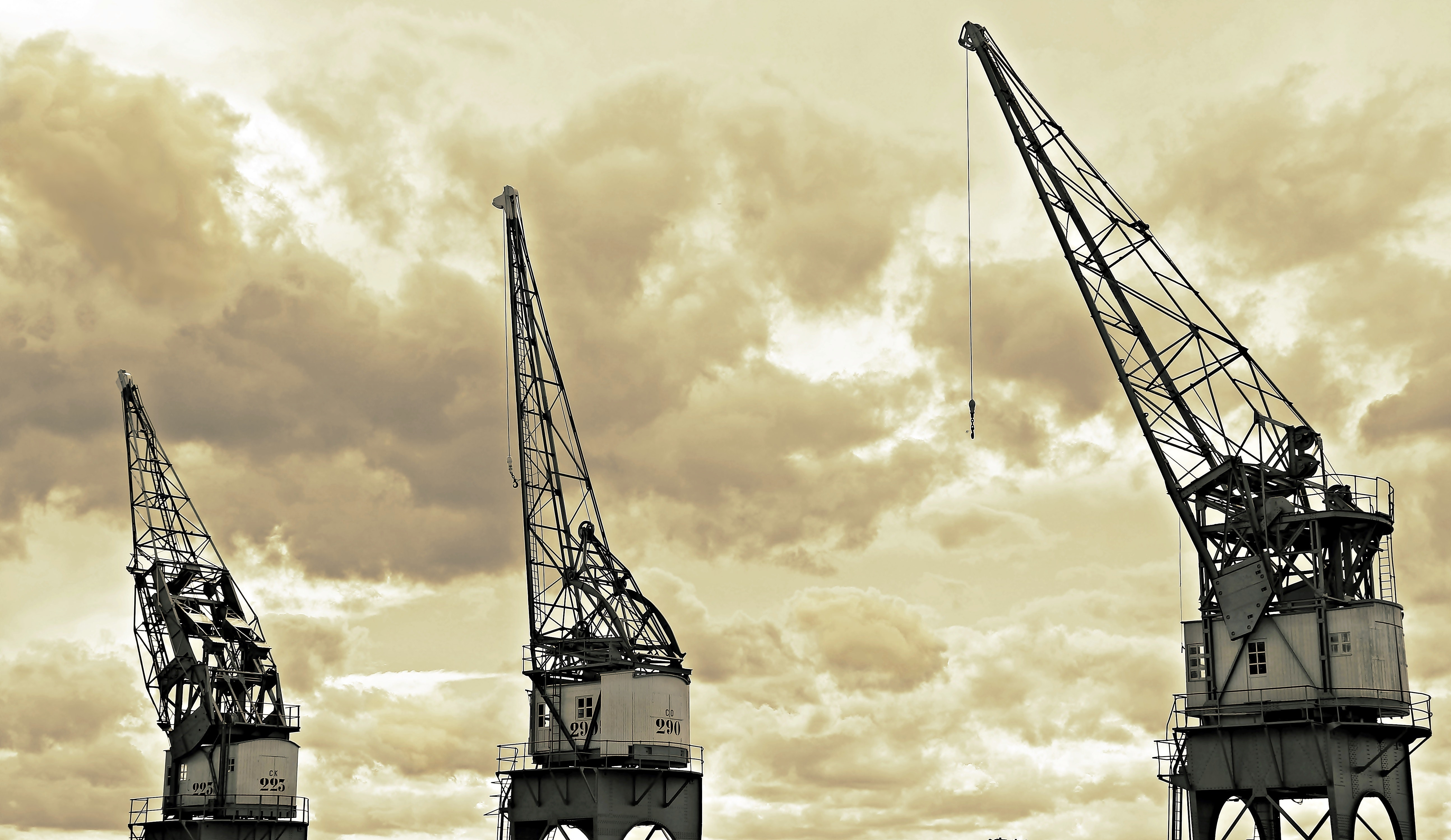 Architectural Photography of White and Black Metal Crane, Business, Clouds, Cranes, Equipment, HQ Photo