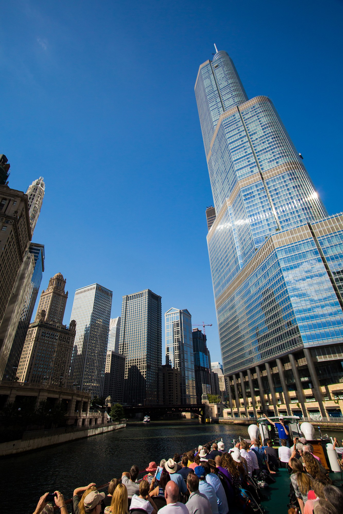 Chicago Architecture Foundation River Cruise Aboard Chicago's First ...