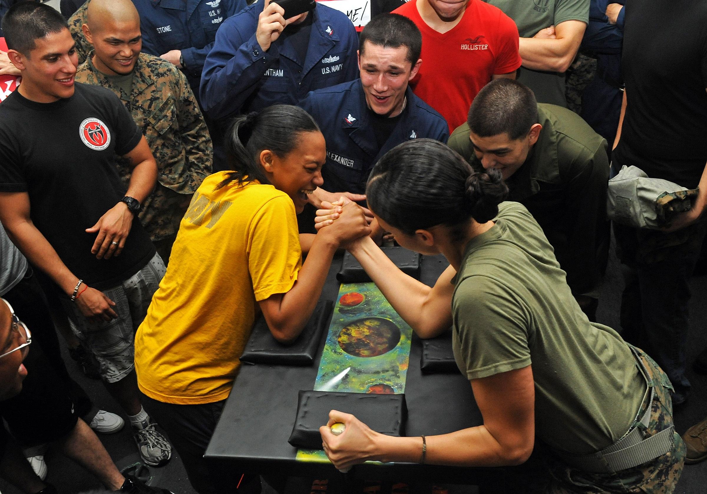 Arm wrestling photo