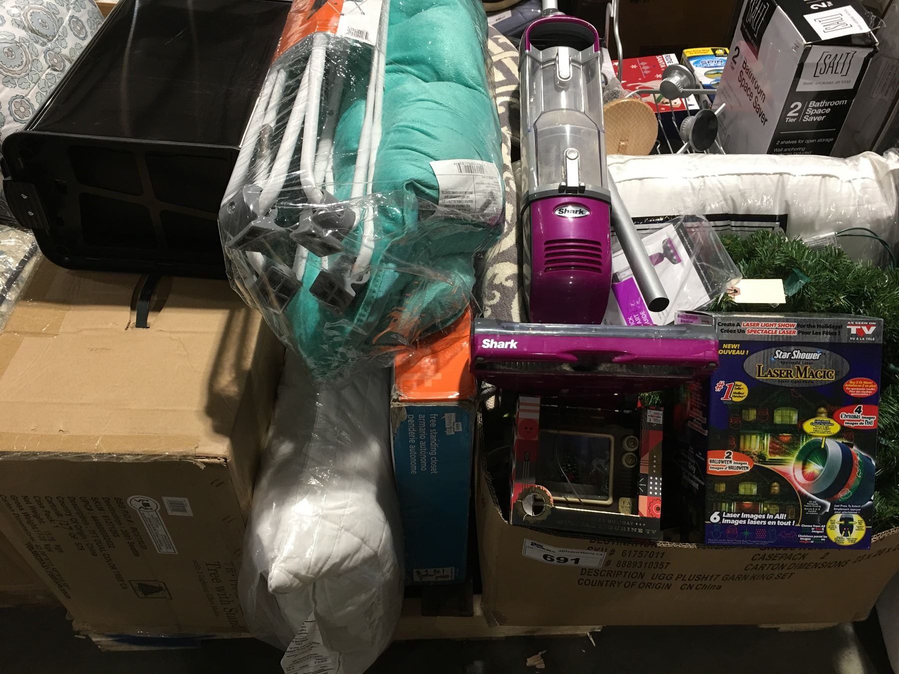 PALLET LOT OF ASSORTED DEPARTMENT STORE ITEMS - Able Auctions