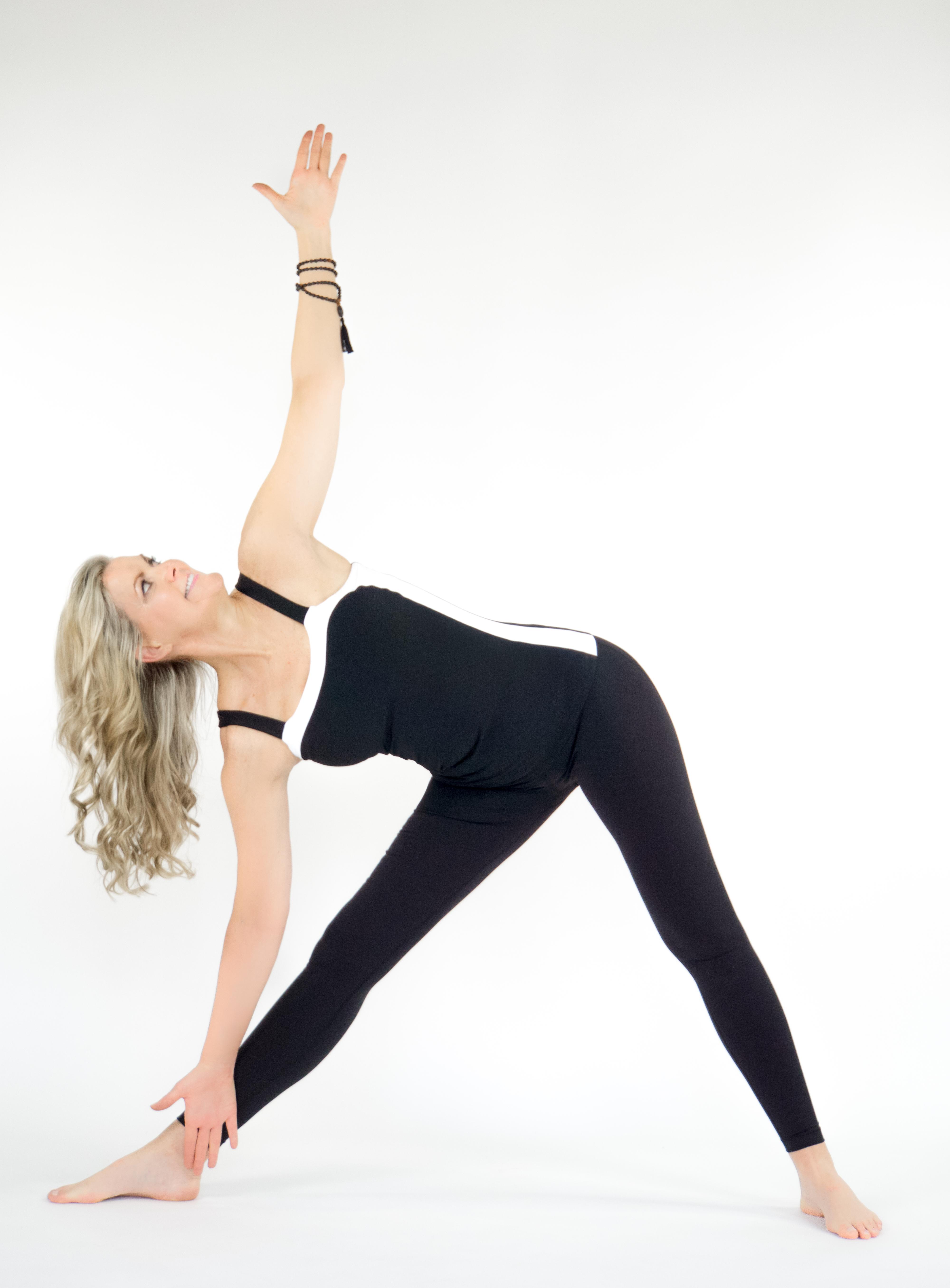 EXTENDED TRIANGLE POSE - Yoga Magazine