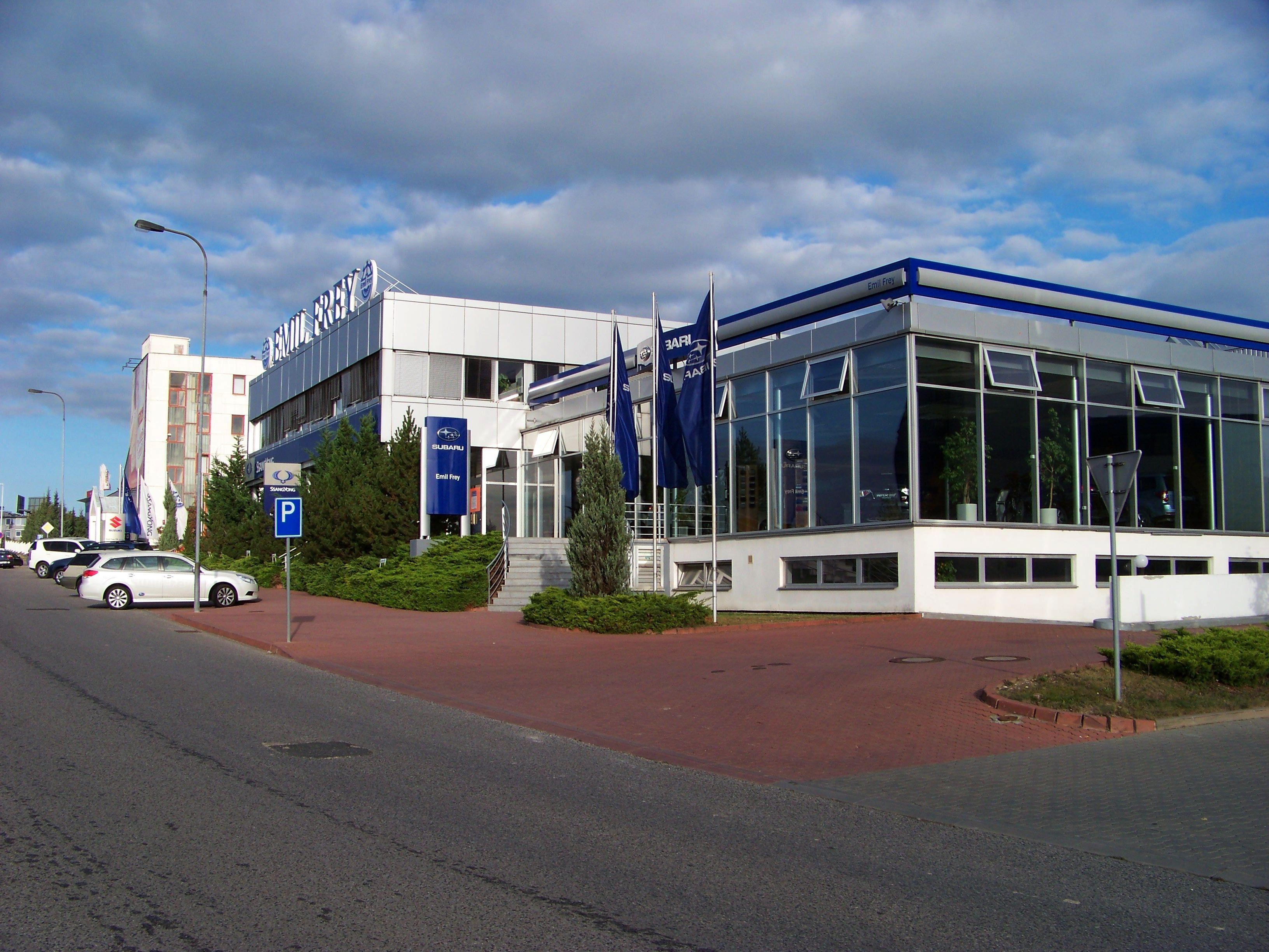 File:Jinonice, Pekařská, Autocentrum Stodůlky Emil Frey.jpg ...