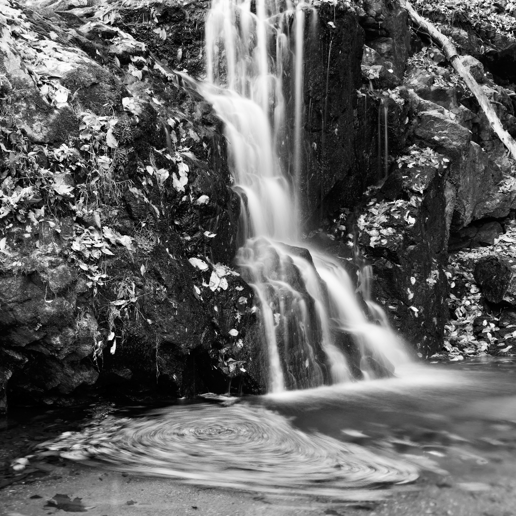 Avalon Falls - Black and White, Rocks, Shadows, Shadow, Shades, HQ Photo