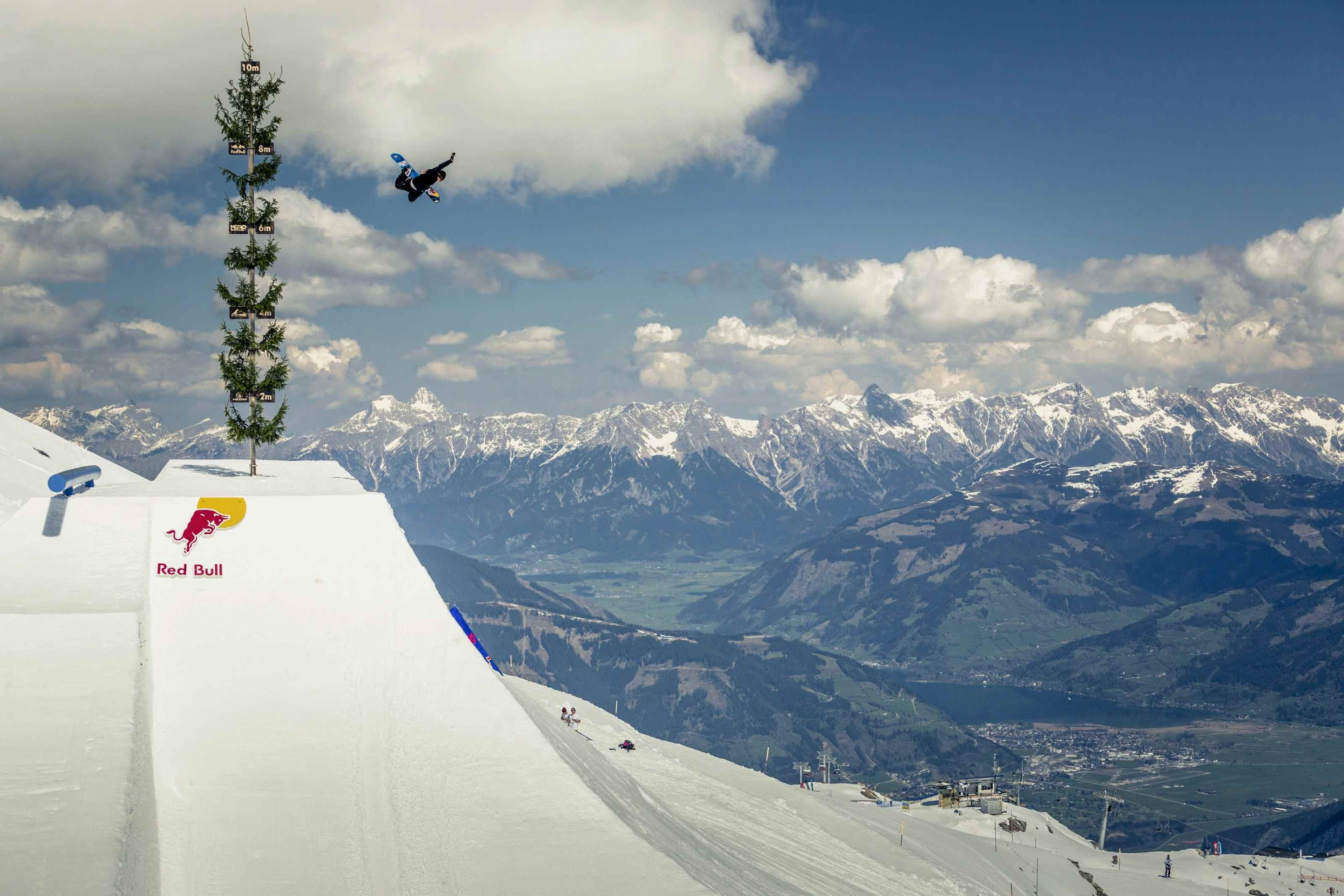 Snowboard Session on Massive Hip Jump - YouTube