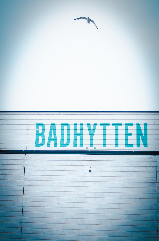 Badhytten signage photo