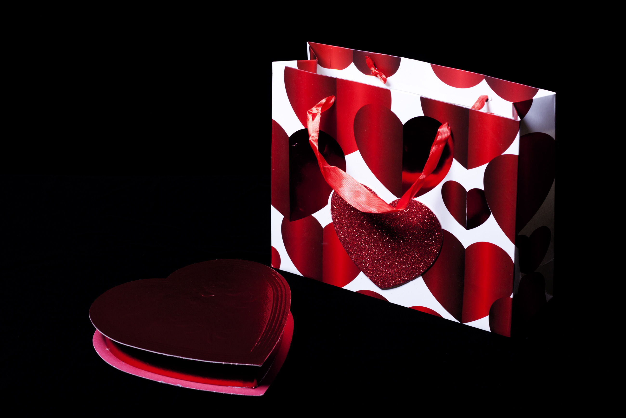 Bag and box of chocolates, Affection, Ribbon, Objects, Package, HQ Photo