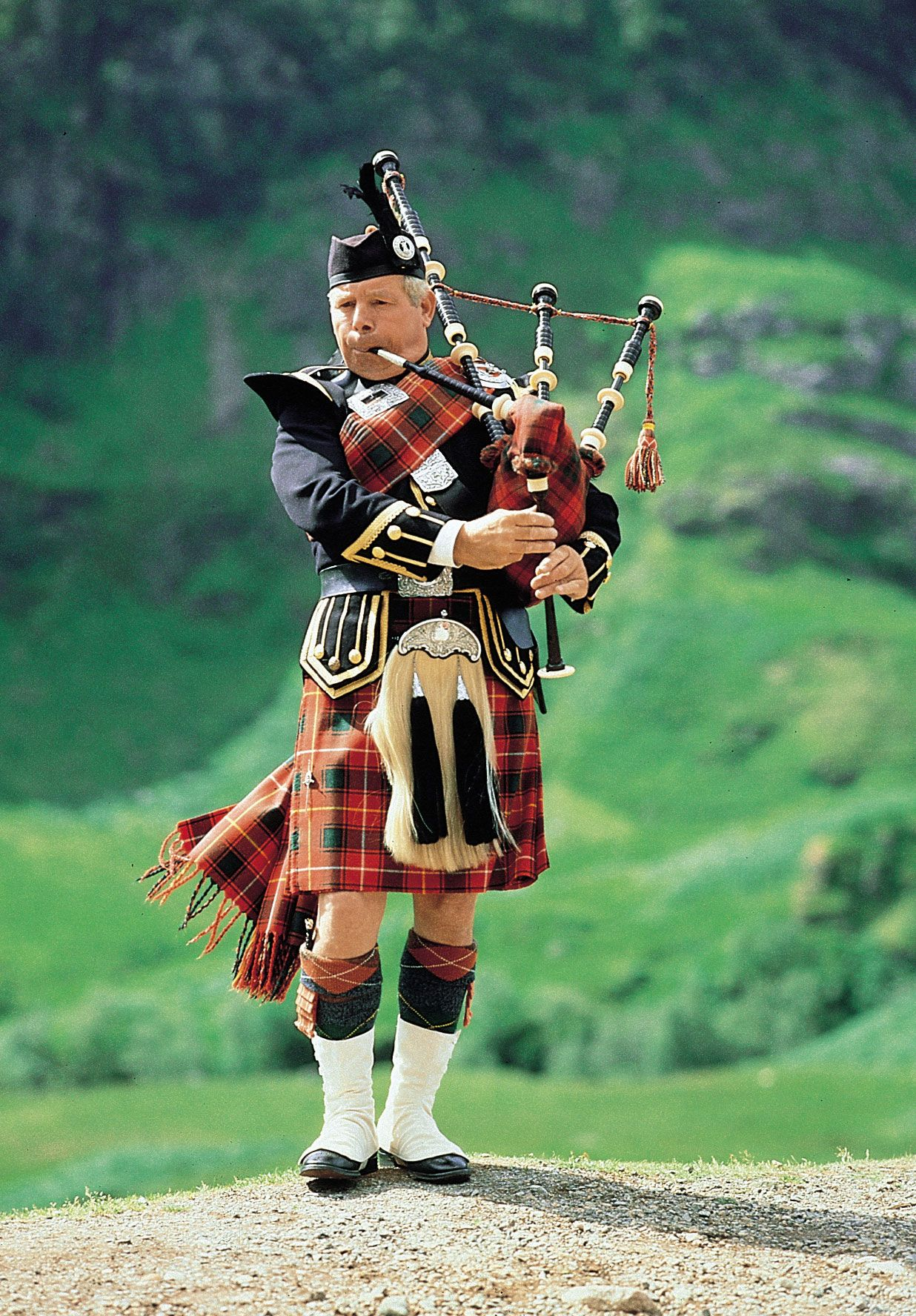 The Very Best Scottish Bagpipe Music | Kilts, Scotland and Plays