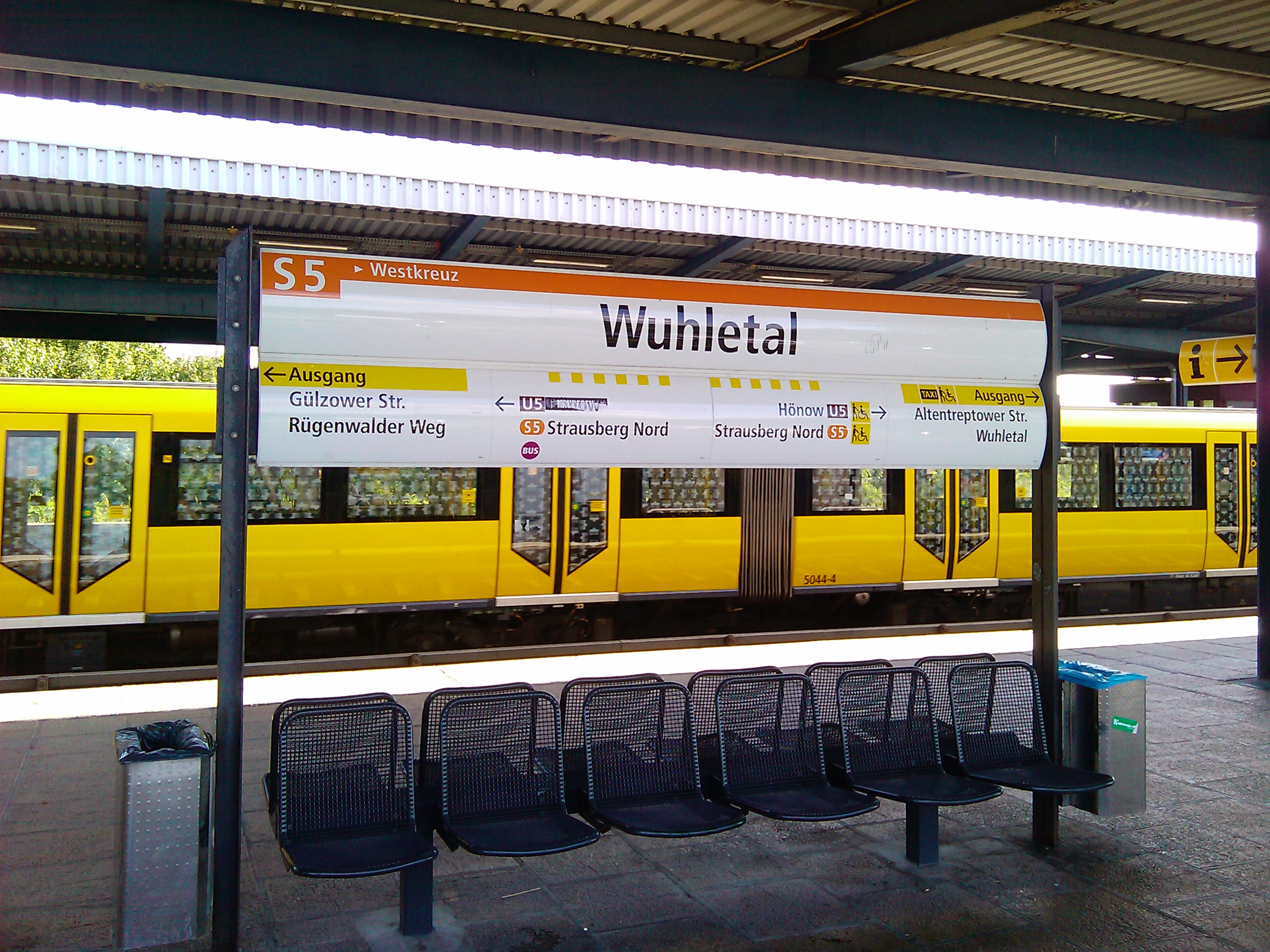 File:Bahnhof Berlin-Wuhletal Station Sign of S-Bahn in BVG Corporate ...