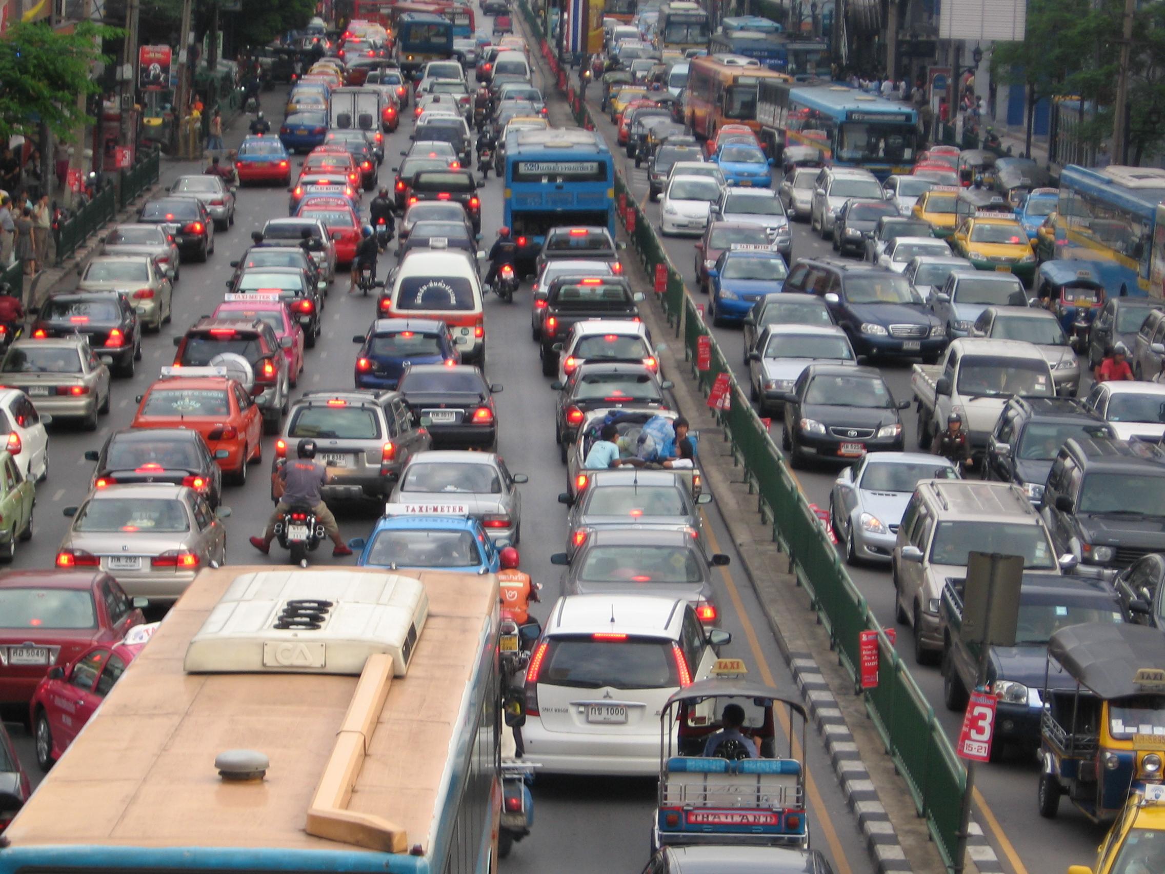 File:Bangkok traffic by g-hat.jpg - Wikimedia Commons