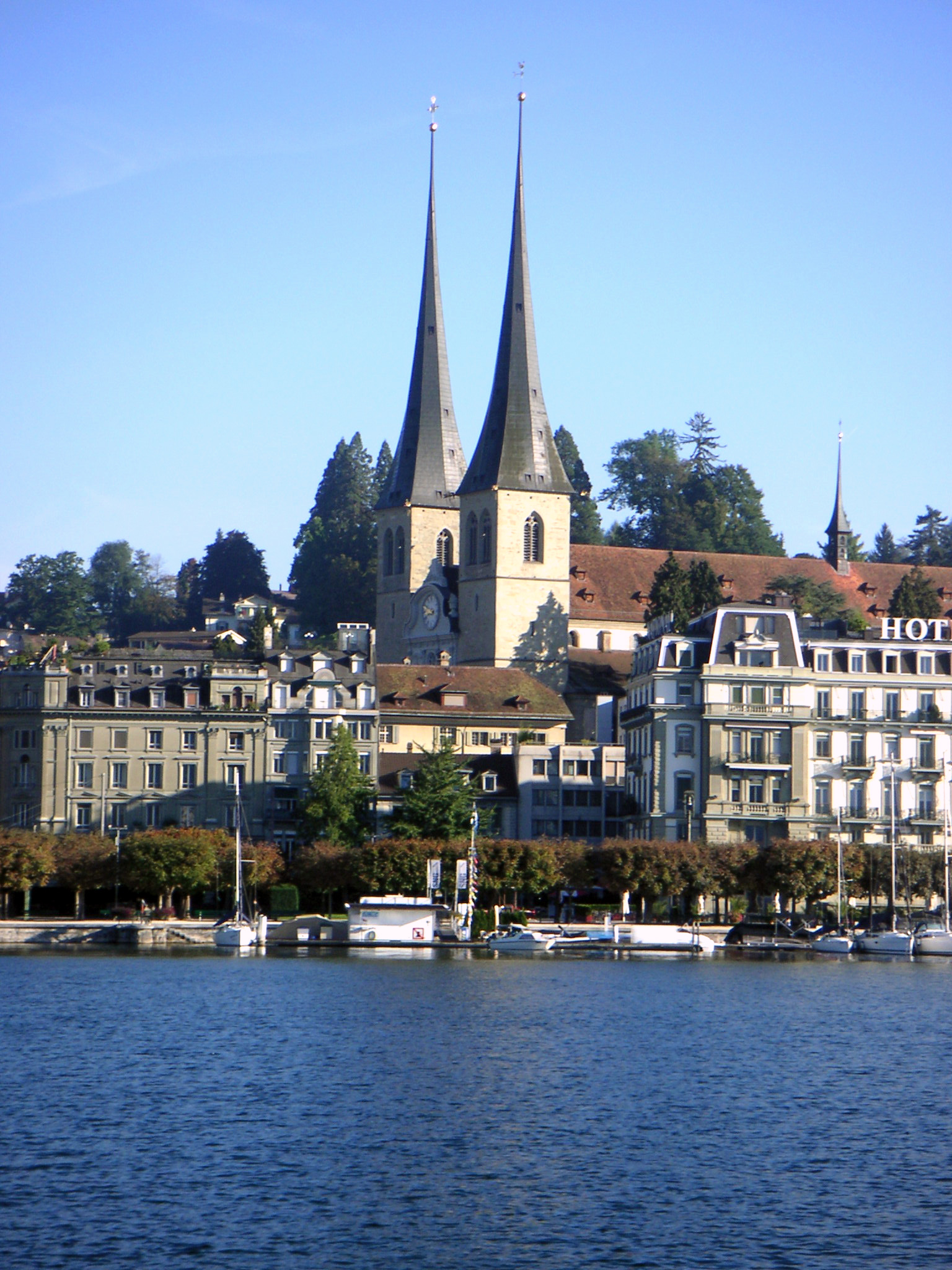 Banks of a lake in Luzern, Switzerland, Towers, Town, Swiss, HQ Photo